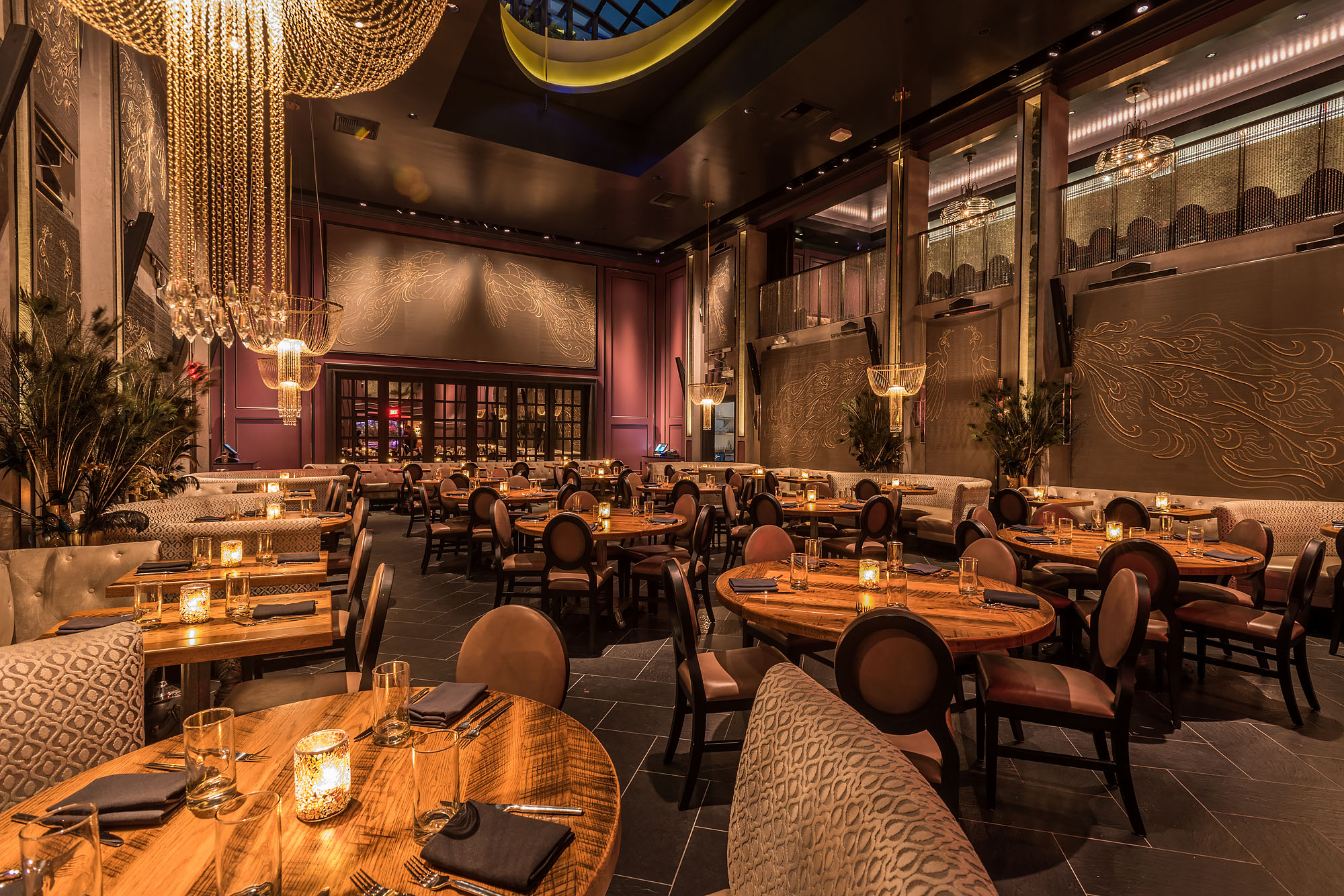 Inside Beauty Essex Hollywoods Glitzy New Dining Palace
