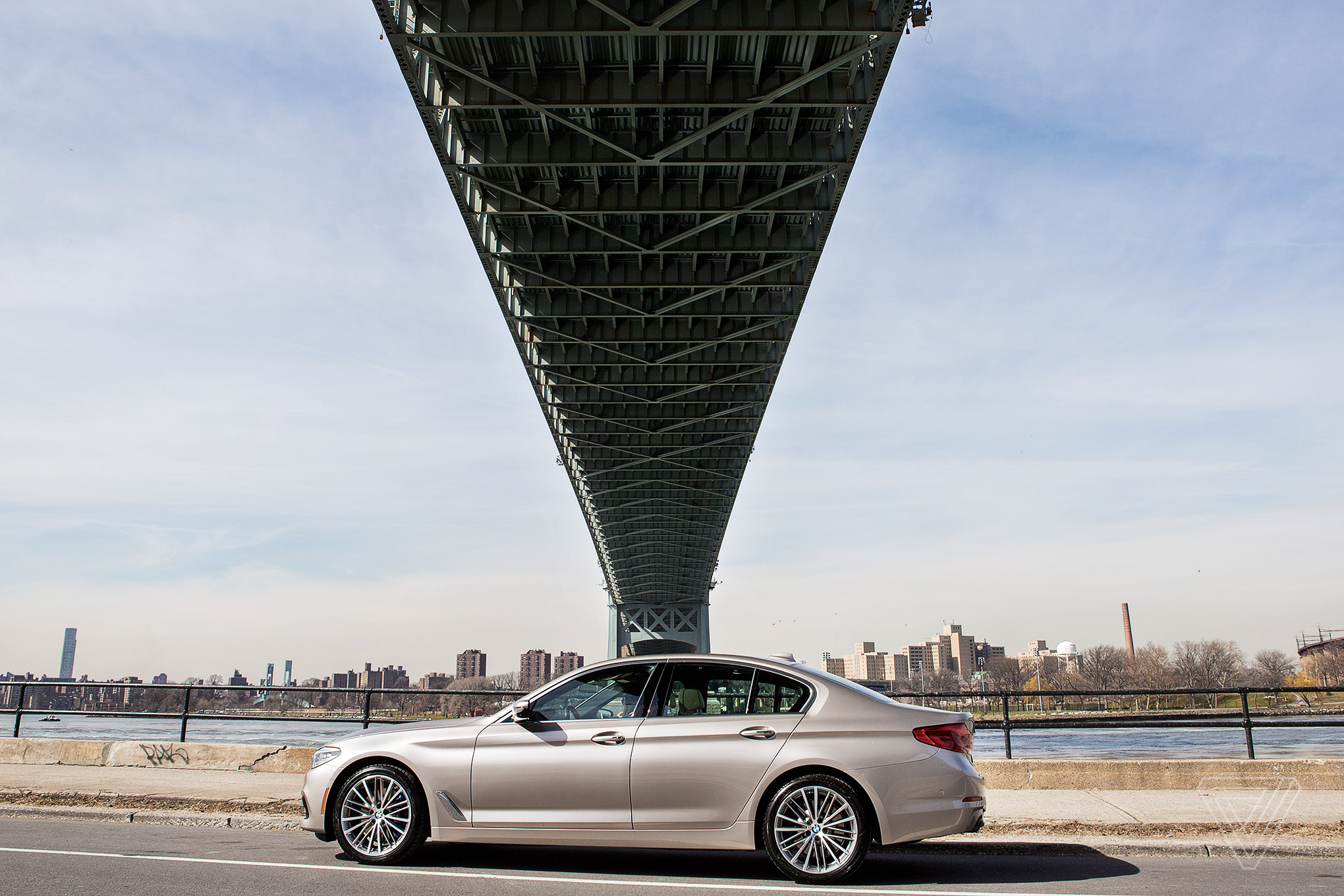 Screendrive The 2017 Bmw 5 Series Emphasizes Design Over
