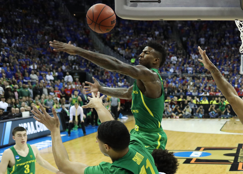 1 Kansas From The Sprint Center In Kansas City On Saturday Night. Oregonu0027s  Junior Blocked A Program Record Eight Shots En Route Of The Jayhawks, 74 60.