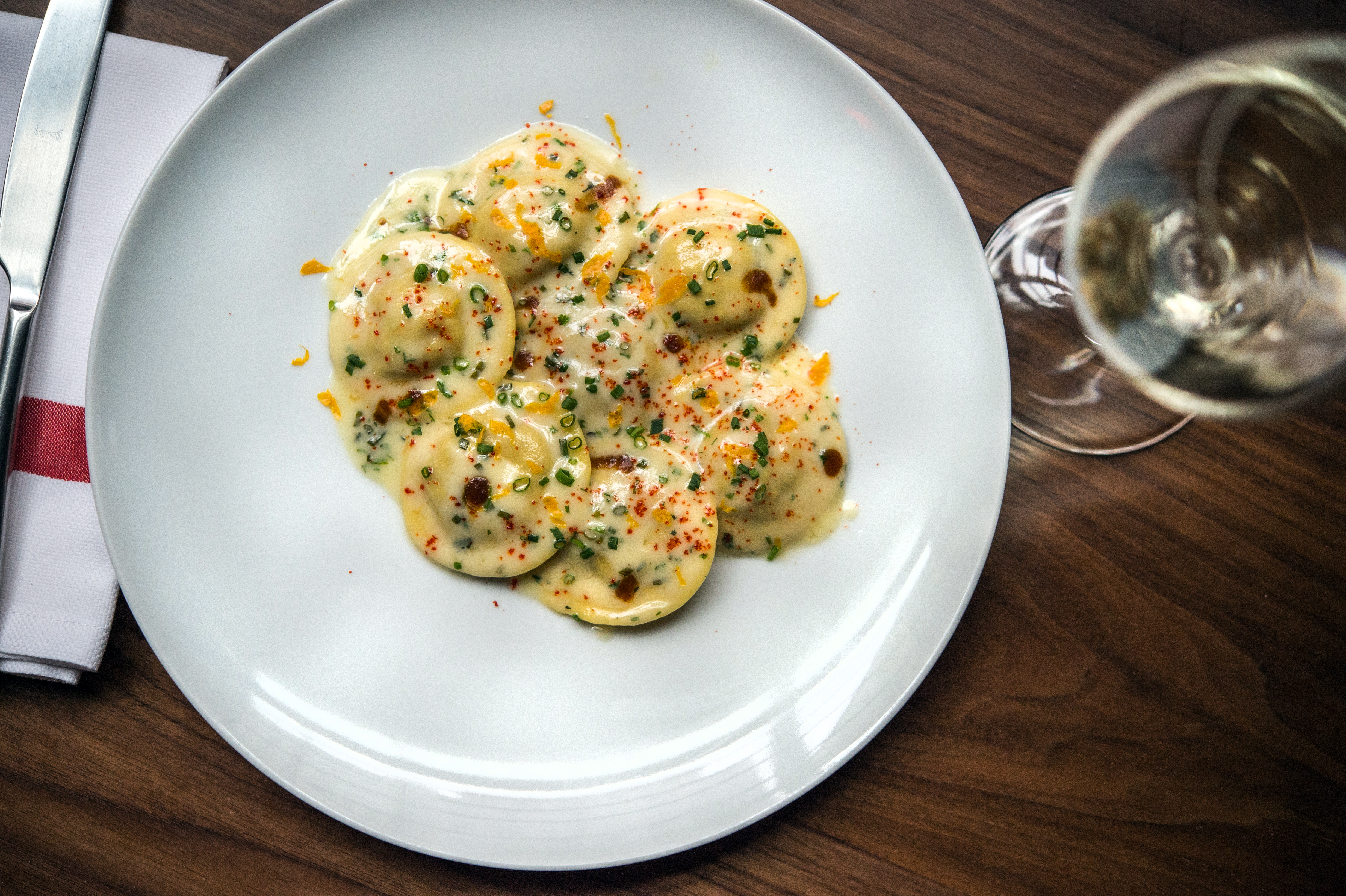 the new union square cafe isn't all that thrilling — but it gives