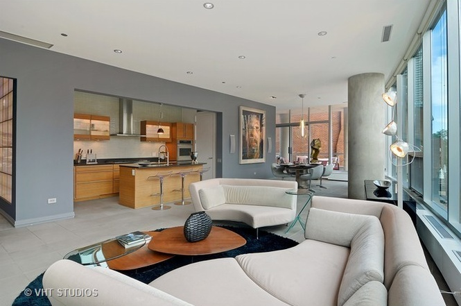 Art Filled Ultra Contemporary Gold Coast Condo Lists For 1 9m Curbed Chicago