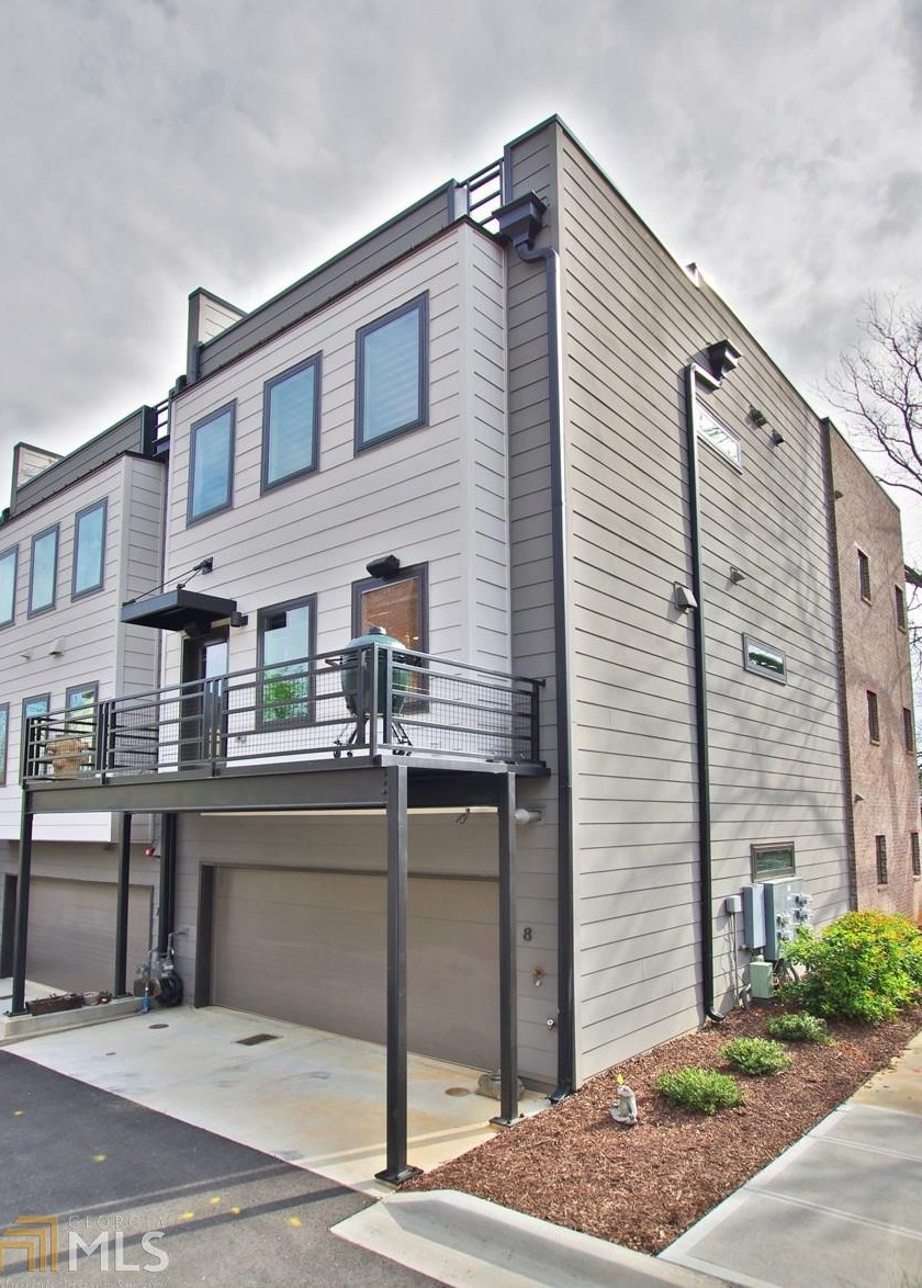 Old fourth ward townhome near krog street market has Elevator townhomes