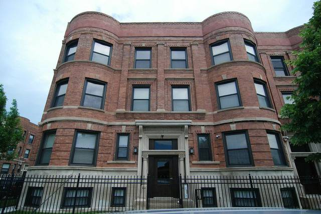 Chicago three bedroom apartments renting for $1 500 or
