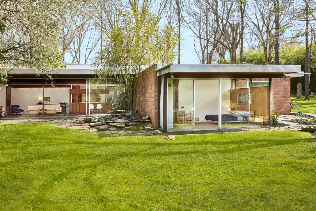 Richard neutra s iconic hassrick residence in east falls for Mid century modern home plans for sale
