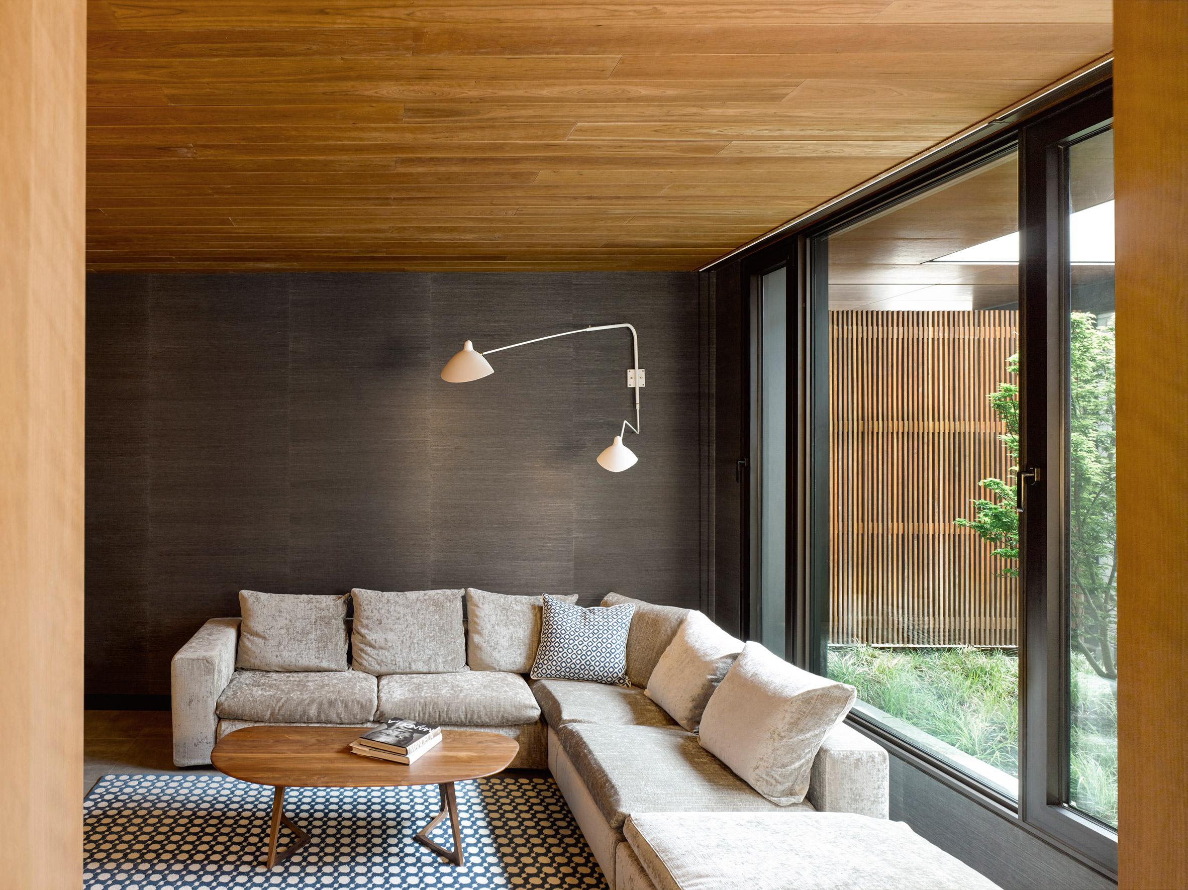 Mid century modern update midcentury bedroom tampa by - Midcentury Beauty Gets Sleek Refresh And Update Curbed
