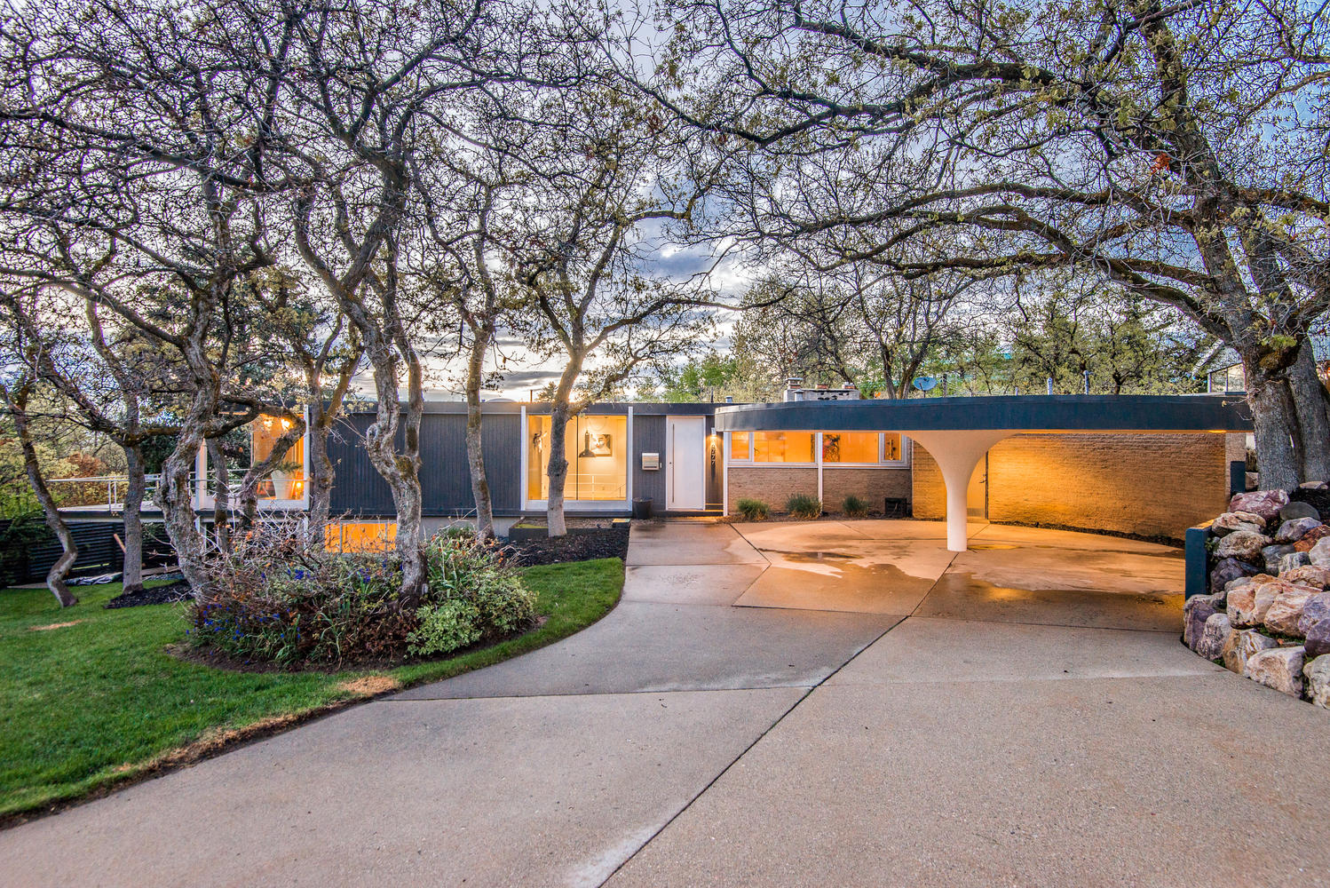 suave 1956 home with saarinen inspired carport asks 1 28m curbed