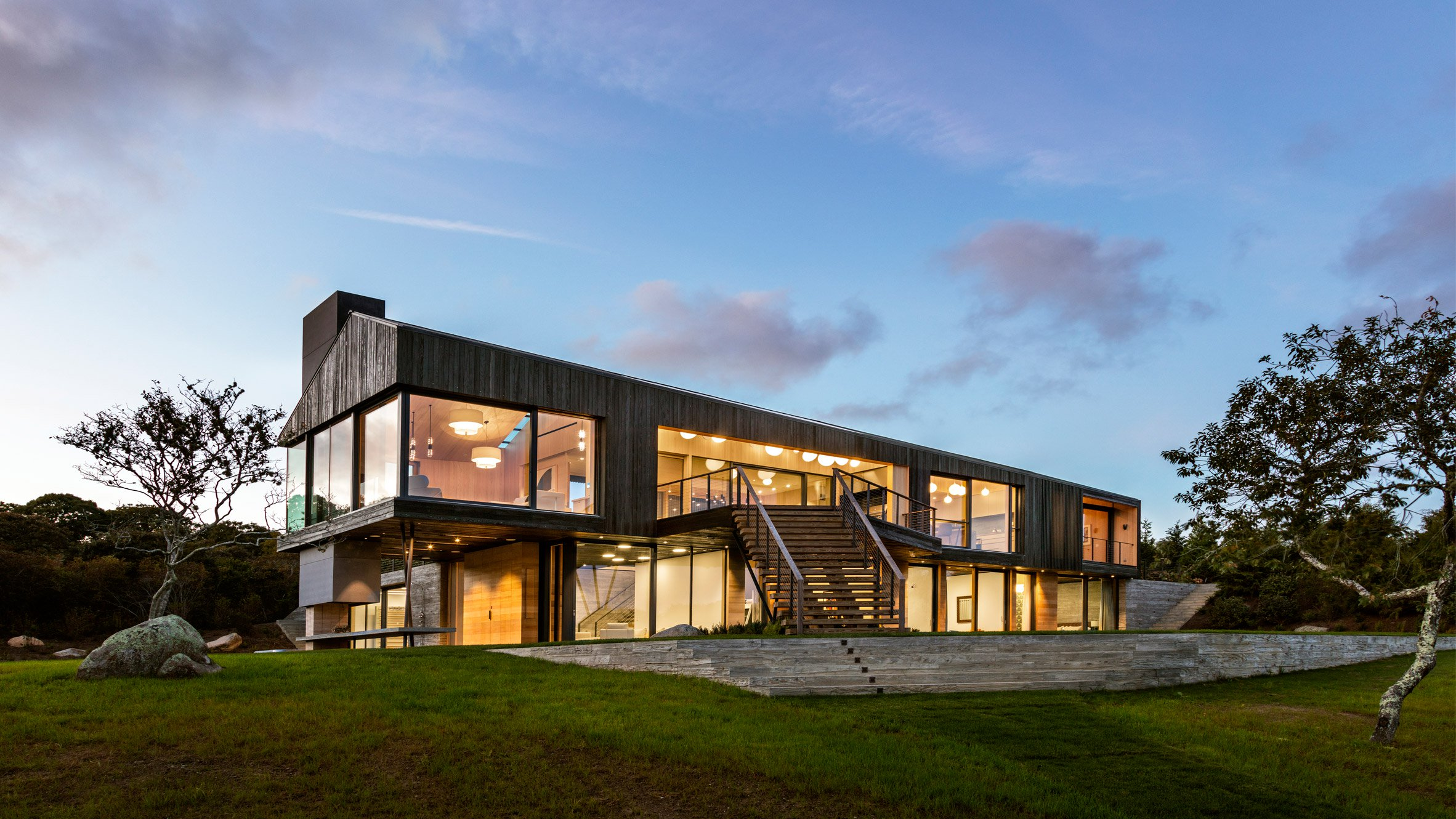 Martha's Vineyard modern home is all glass walls and ocean ...