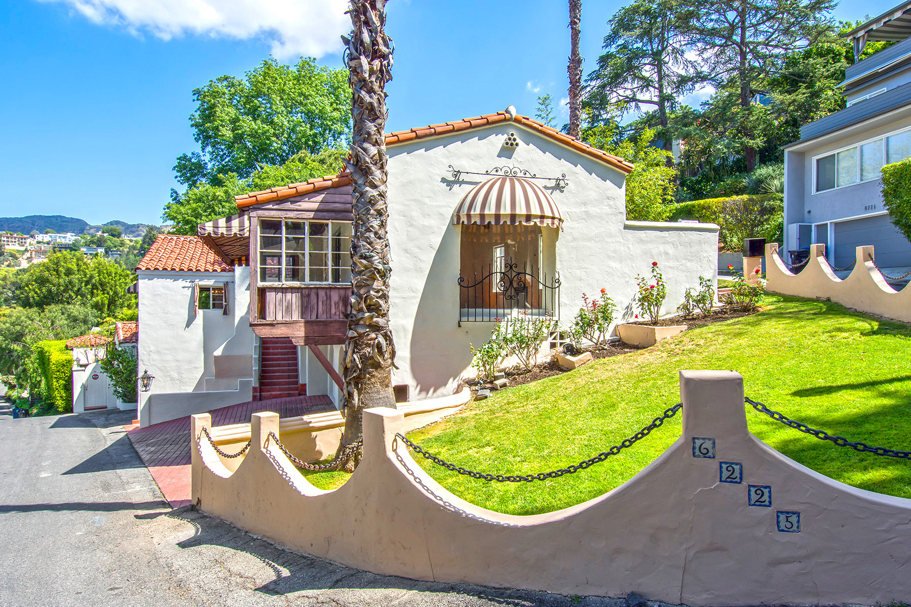 Hollywood Hills Home Of Late Actress Doris Roberts Lists