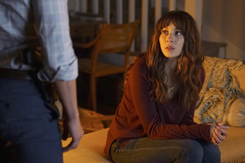 Pretty little liars 2x14 online dating 8