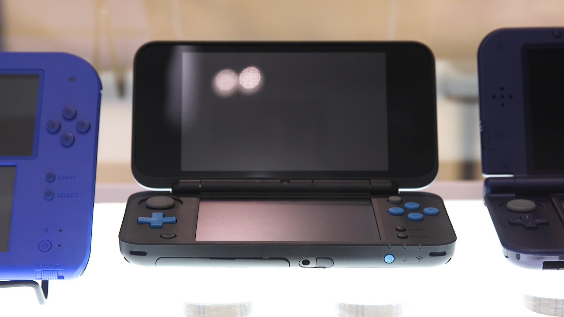 New nintendo 2ds xl makes a great system even better polygon for Housse new 2ds xl