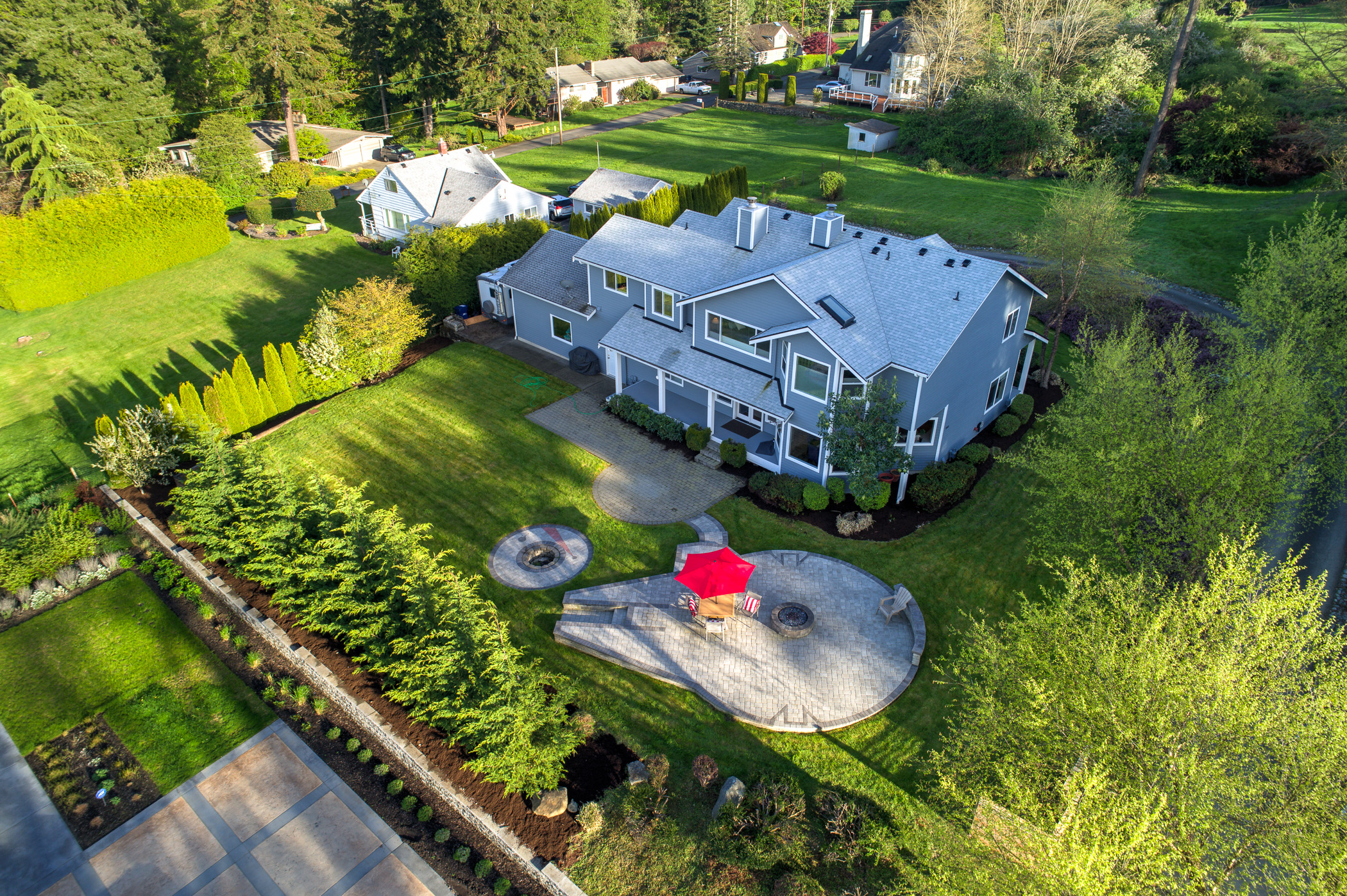 federal way home for sale features millennium falcon shaped patio