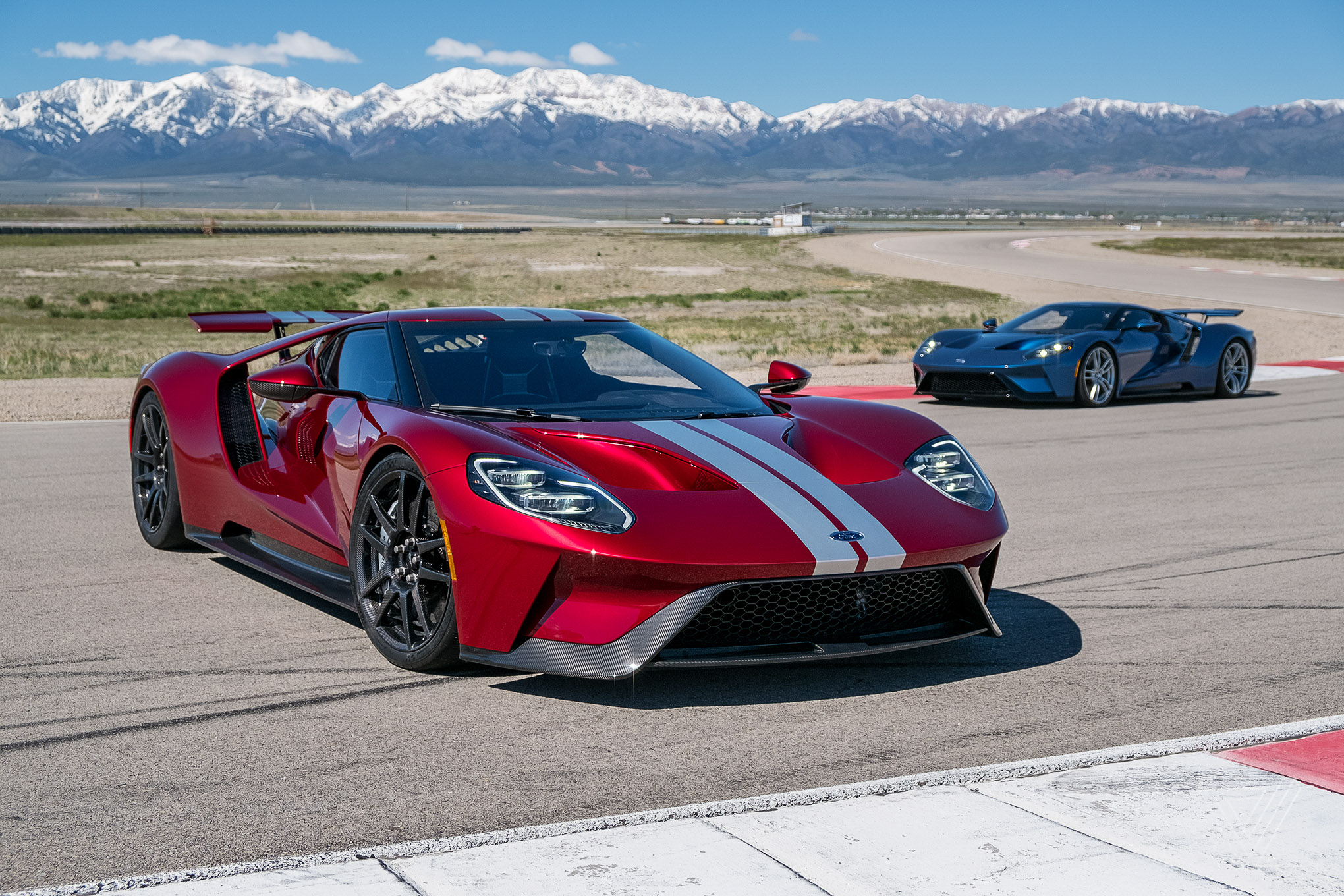 Driving The Ford Gt America S Fastest Supercar The Verge