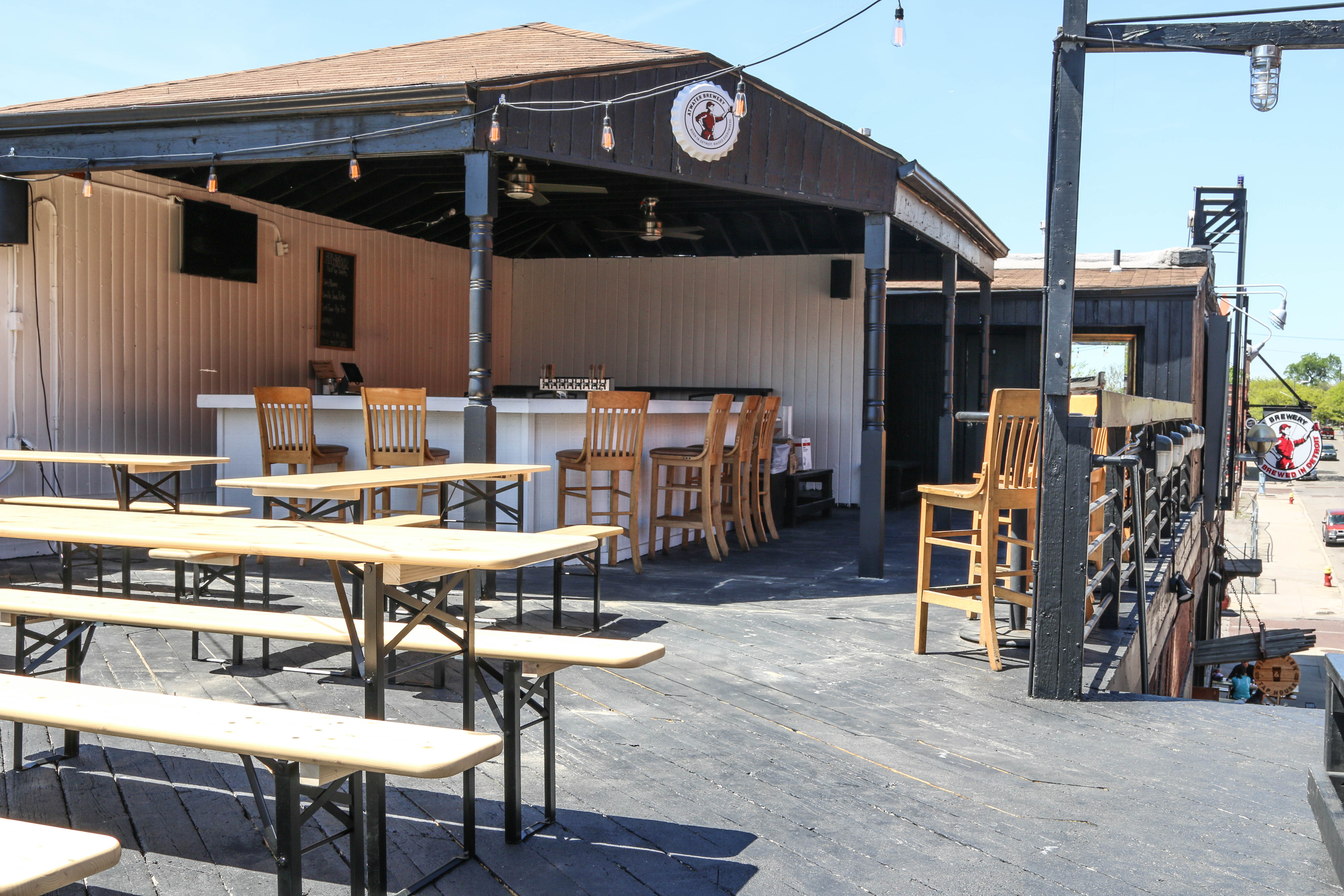 Atwaters Detroit Tap House Unveils Rooftop Biergarten This Month
