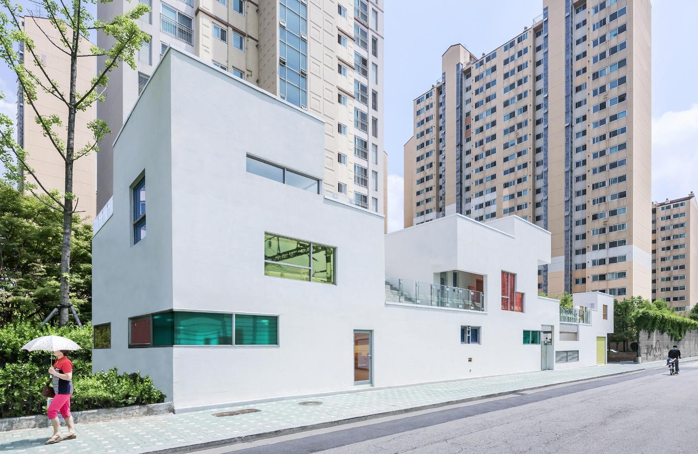 Tetris-inspired kindergarten was built for play