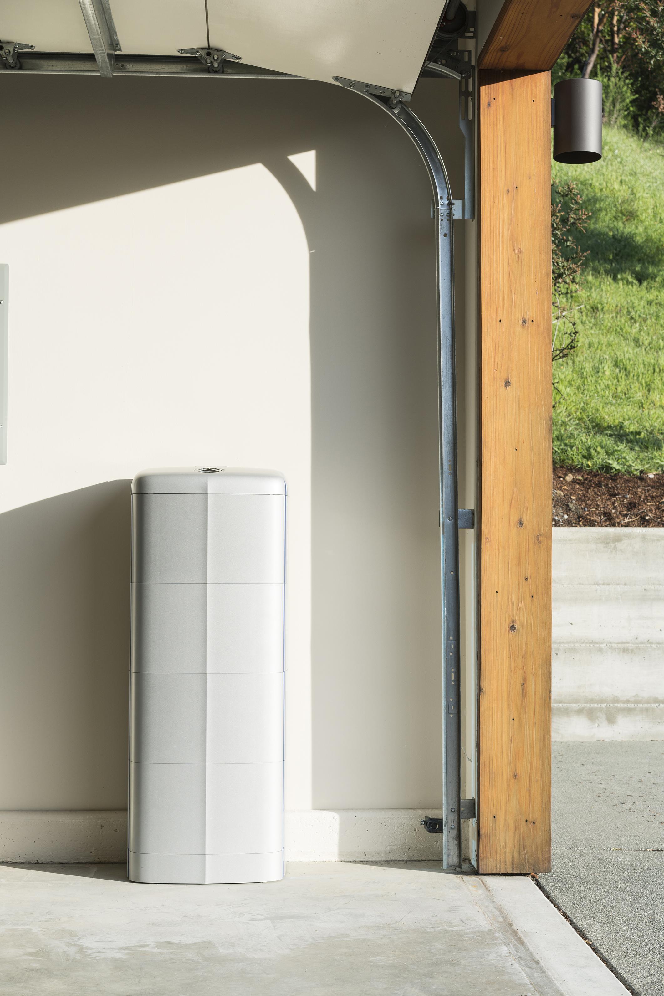 Vivint solar reviews california - Photo Mercedes Benz Energy