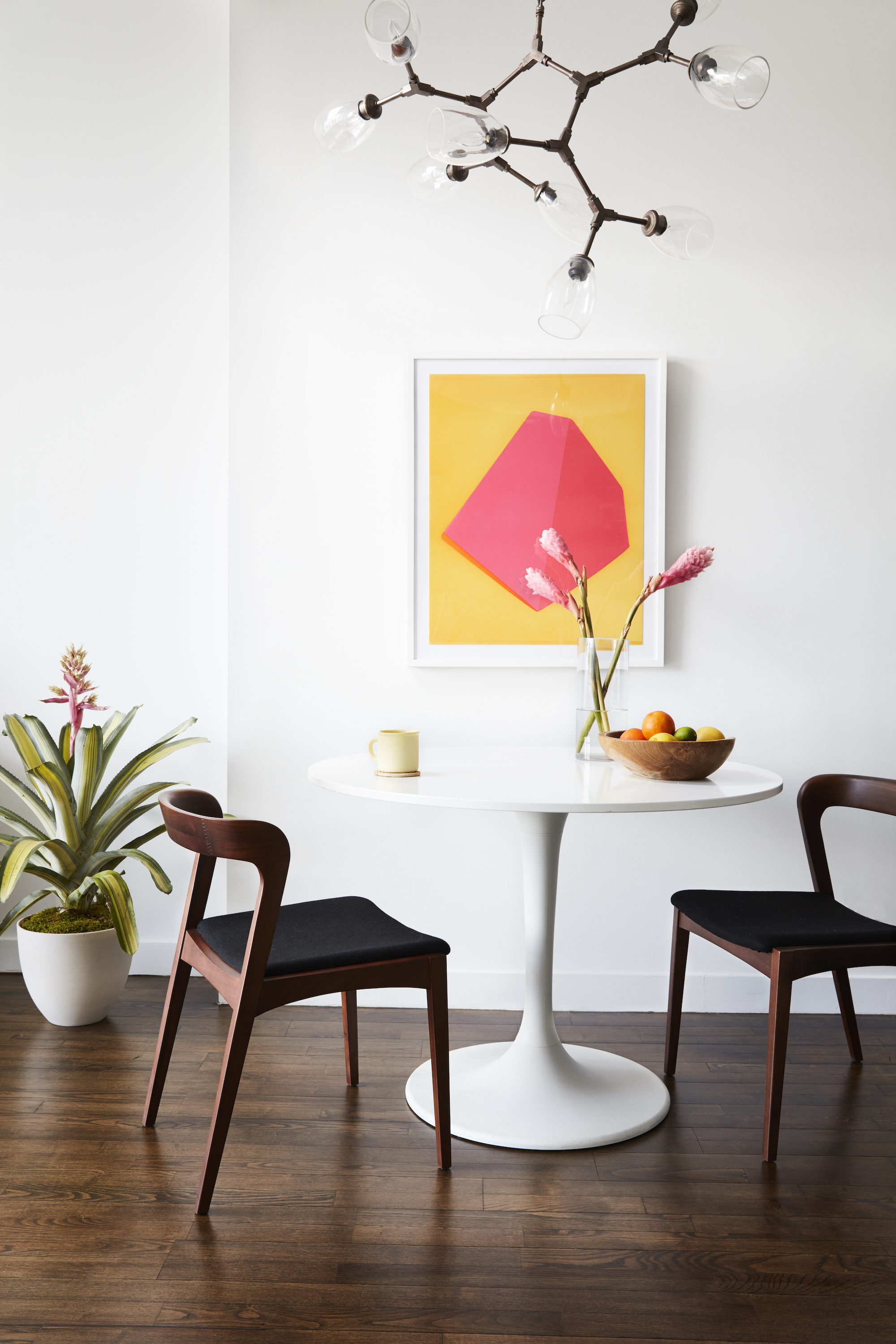 Inside Mindy Kaling's newly-furnished New York apartment ...
