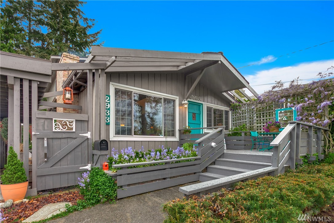 5 of our favorite seattle area homes from may curbed seattle for Seattle area home builders