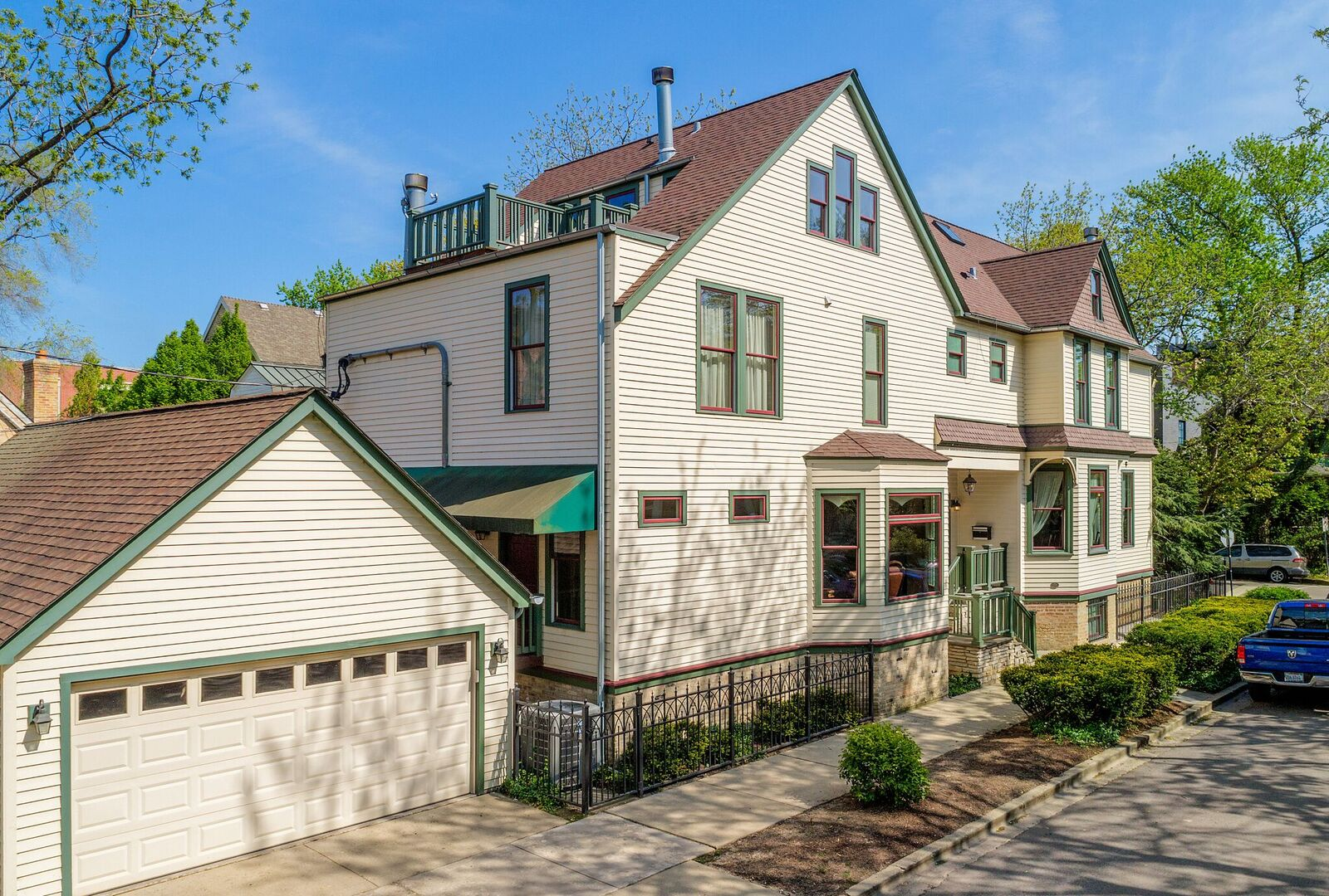 rare chicago fire survivor in lincoln park lists for 2 85m