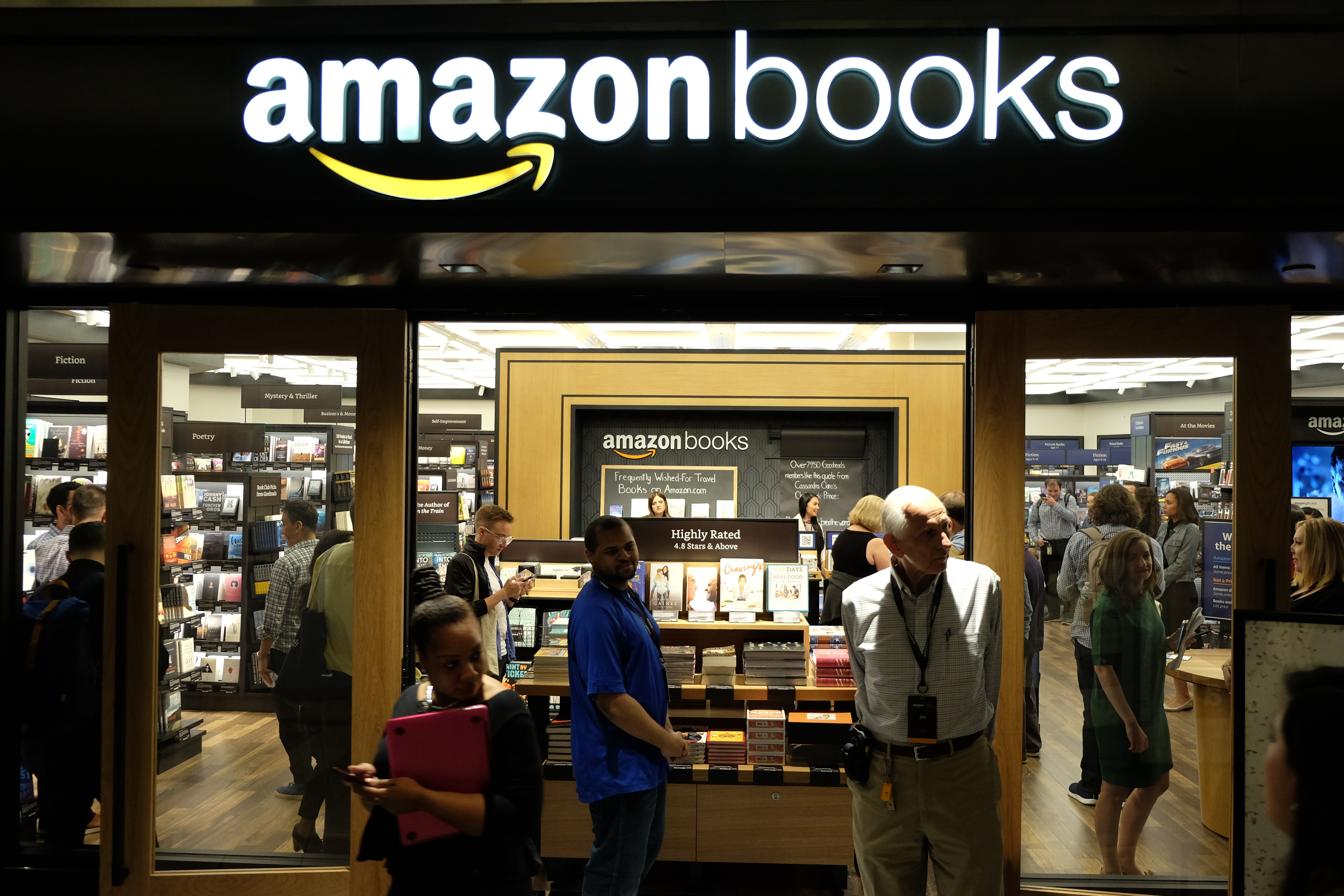 photos inside amazon s first new york city bookstore recode. Black Bedroom Furniture Sets. Home Design Ideas