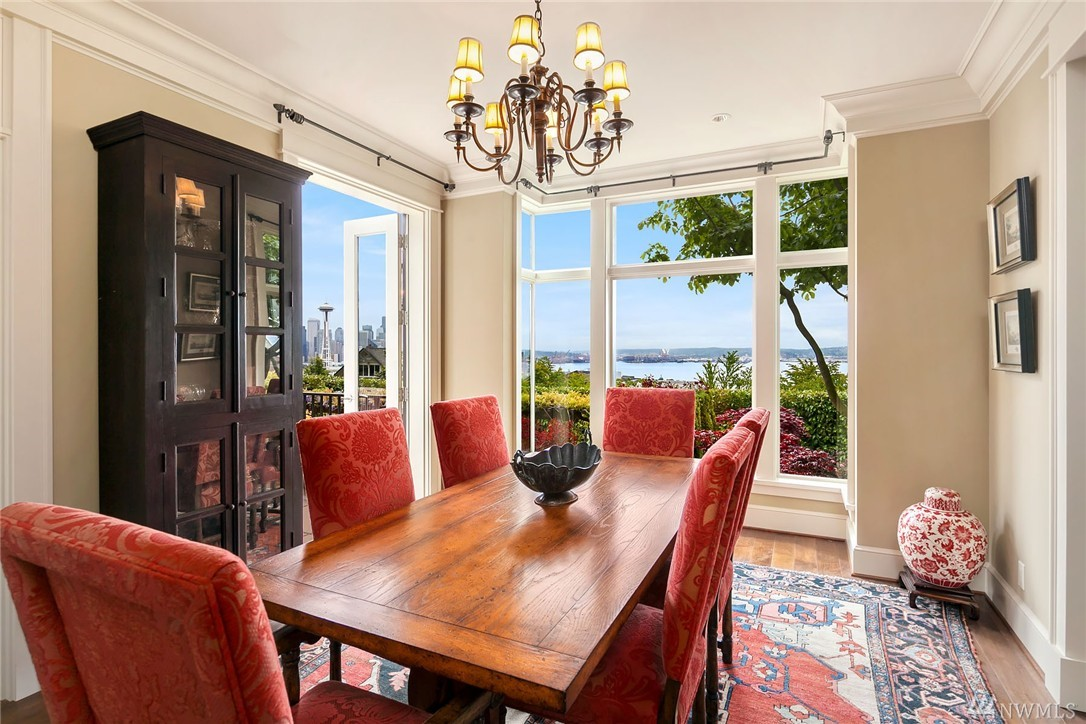 Modern royalty graces queen anne curbed seattle for A w beattie dining room