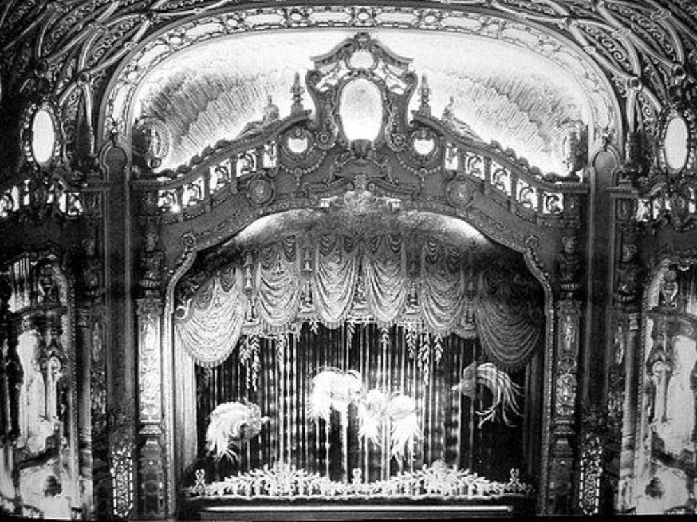 Paramount Theater New York Long Island