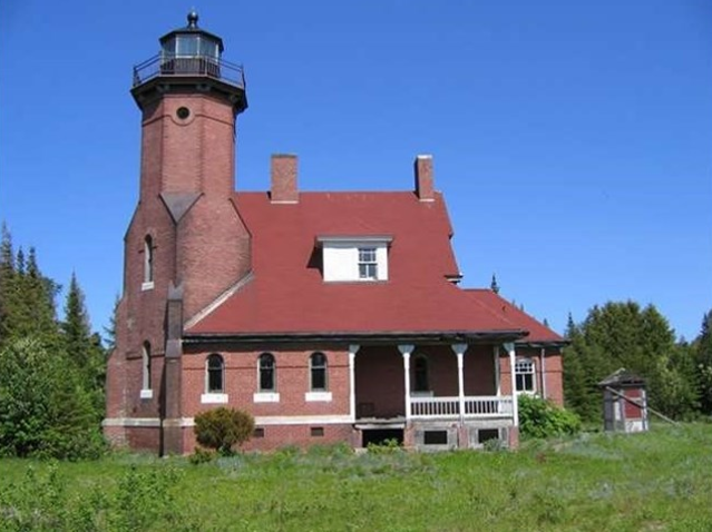 3 lighthouses you can buy right now curbed via cbgreatlakes sciox Image collections