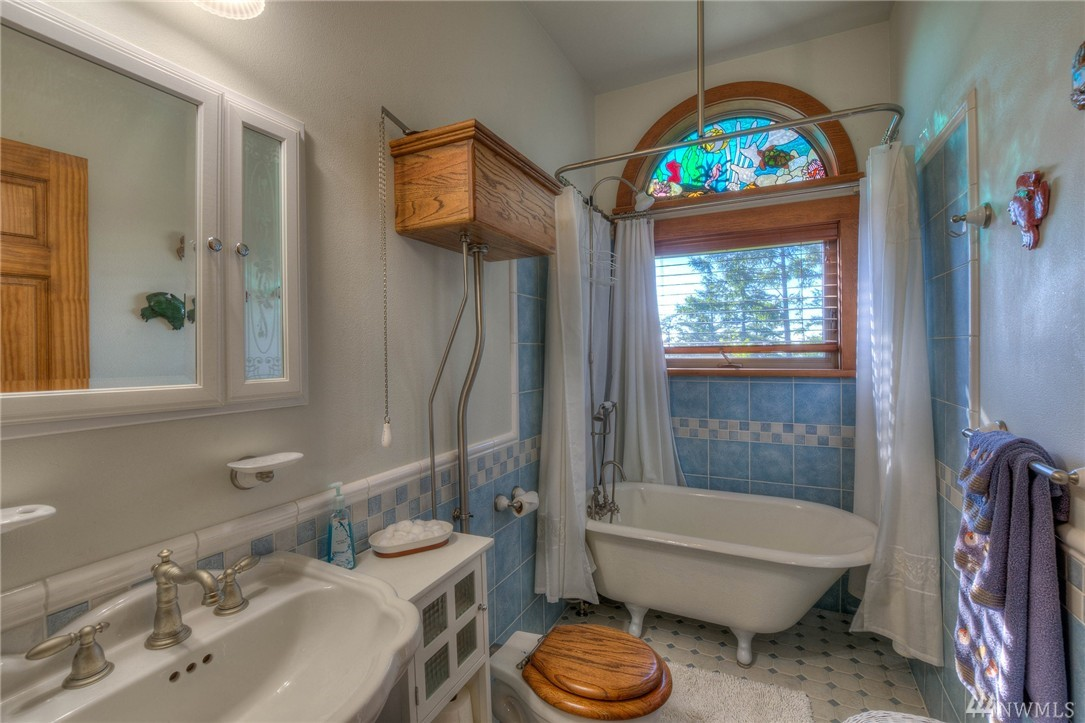 Five acres of views and whimsy on orcas island curbed for What kind of paint to use on kitchen cabinets for grand canyon wall art