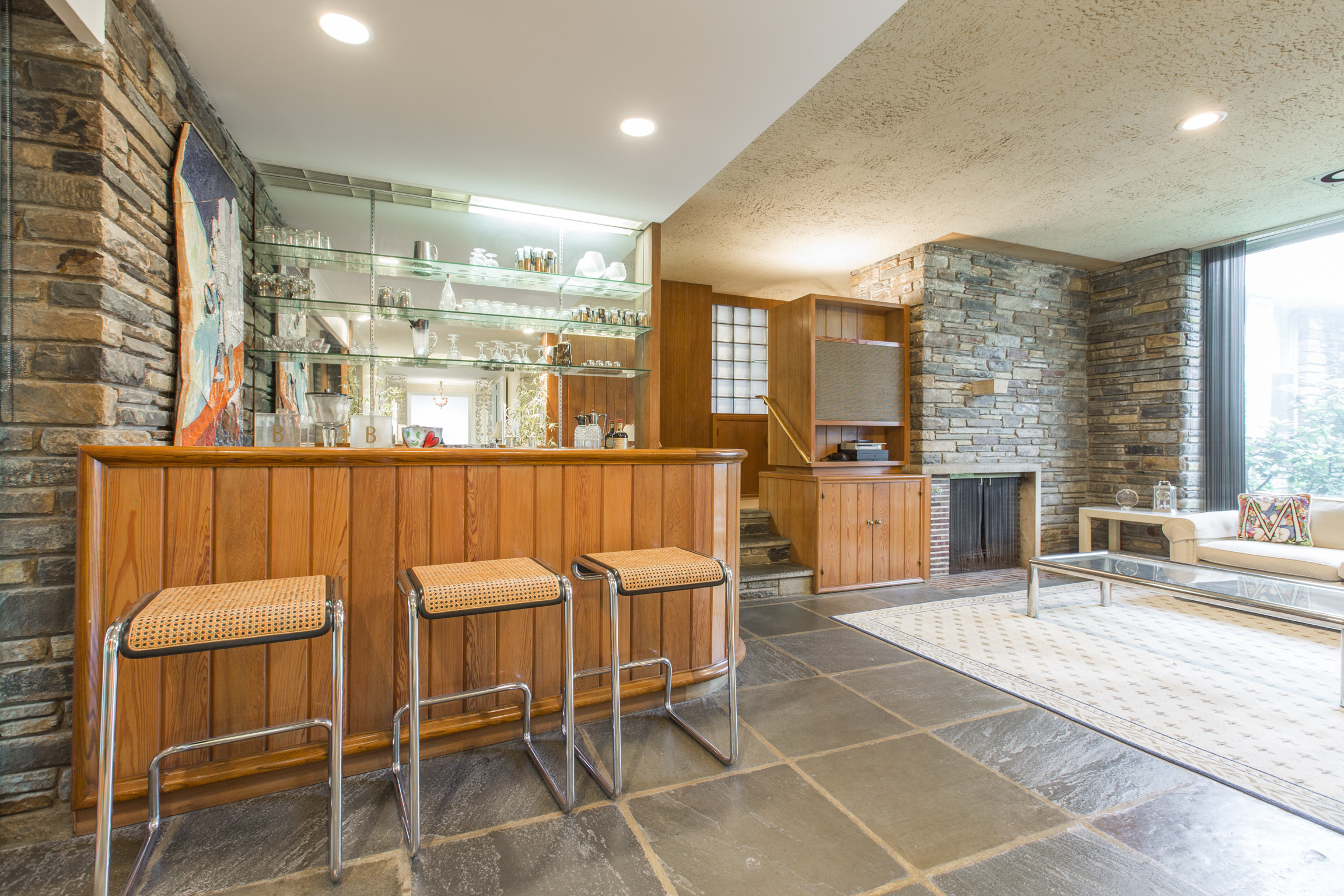 5 midcentury modern homes near philly you can buy right now