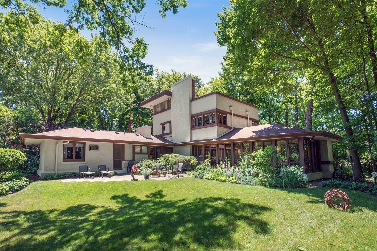 Frank lloyd wright homes for sale around chicago curbed for Frank lloyd wright houses