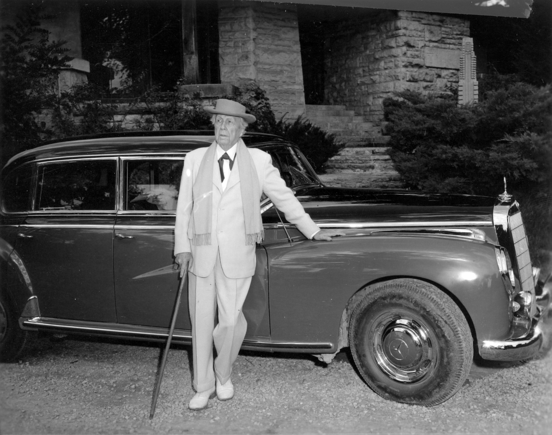 On The Road With Frank Lloyd Wright Curbed
