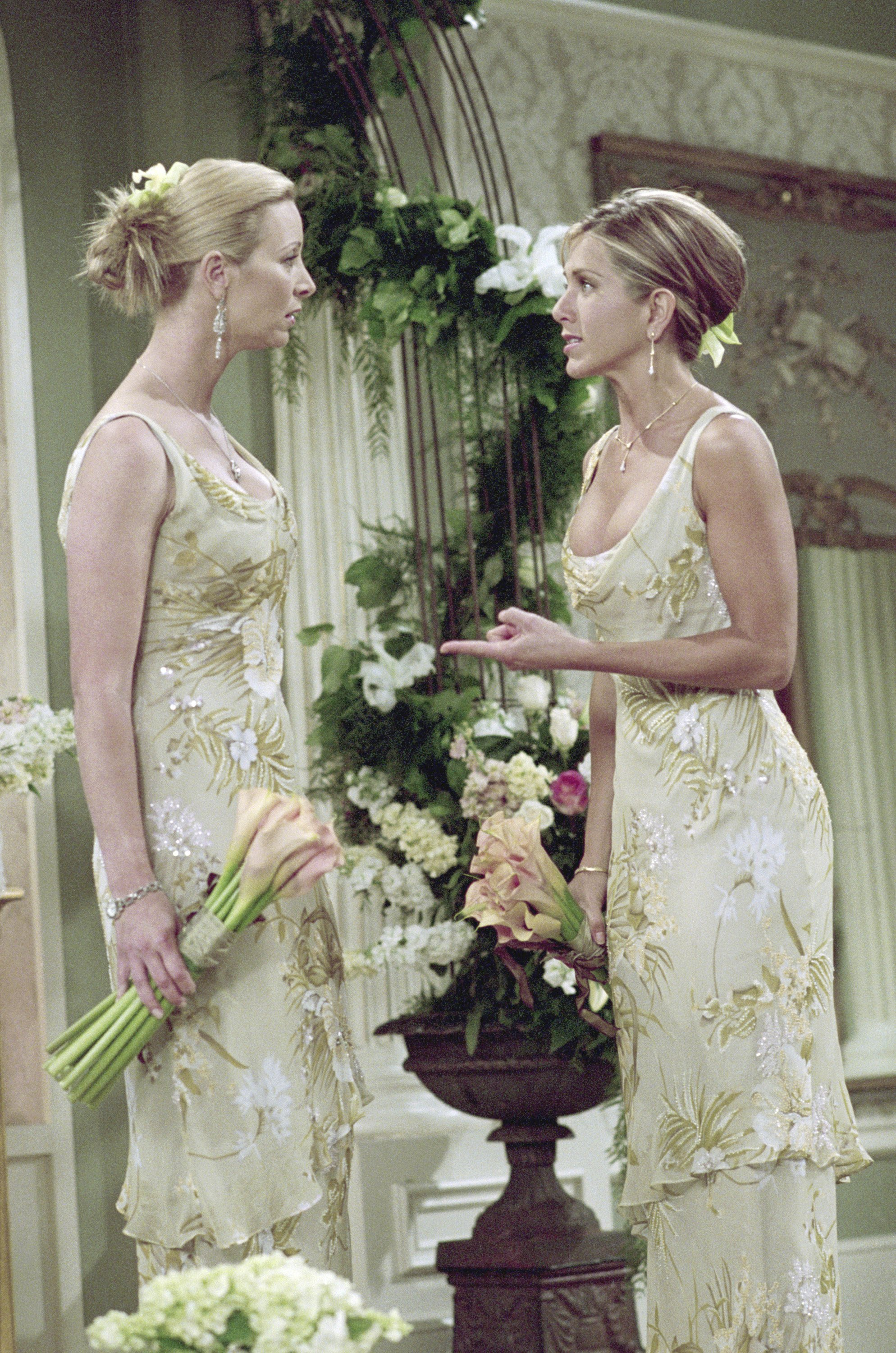 Lisa Kudrow As Phoebe Buffay And Jennifer Aniston Rachel Green In Season 7 Episode