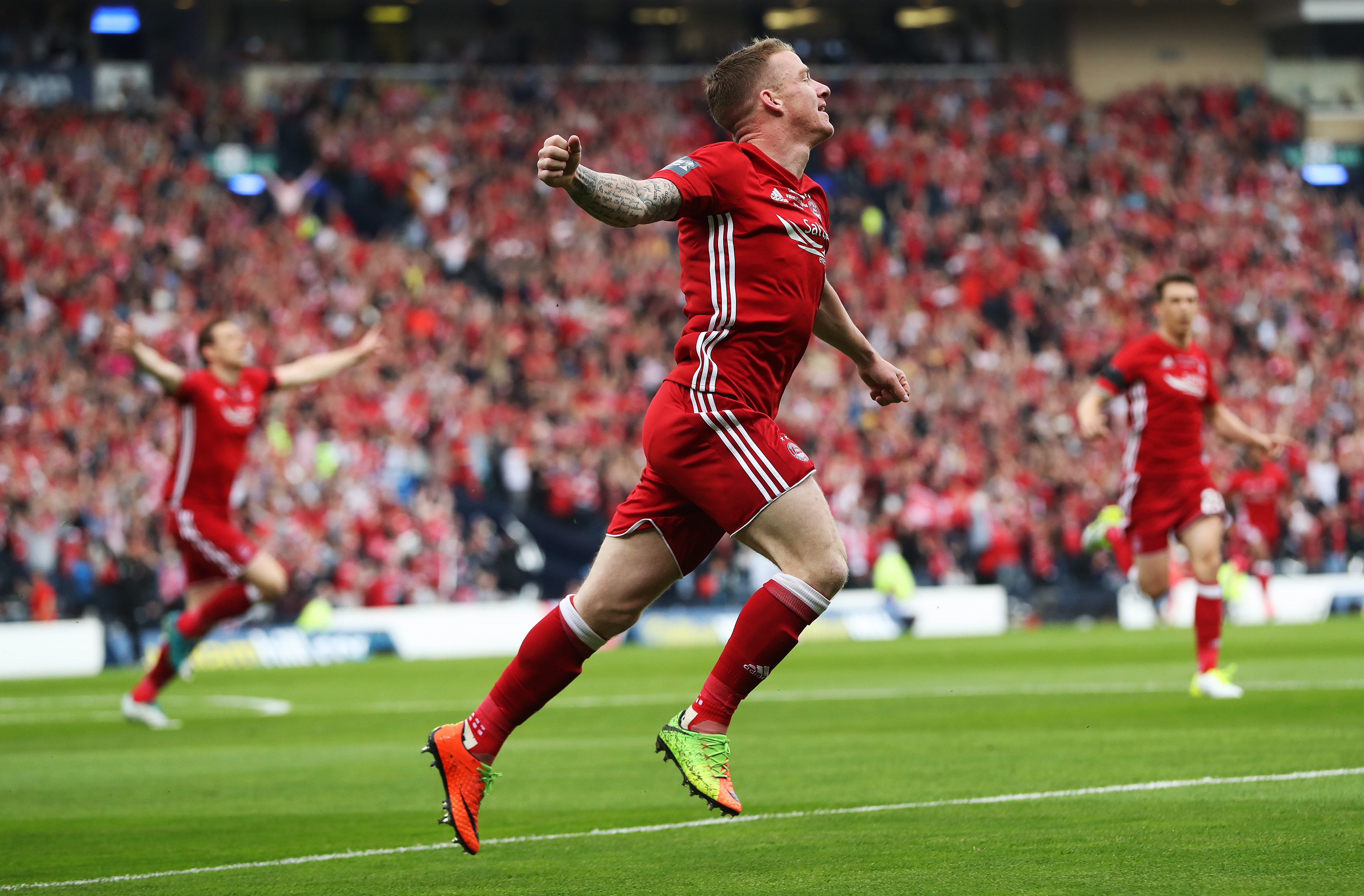Celtic agree fee with Aberdeen for Jonny Hayes