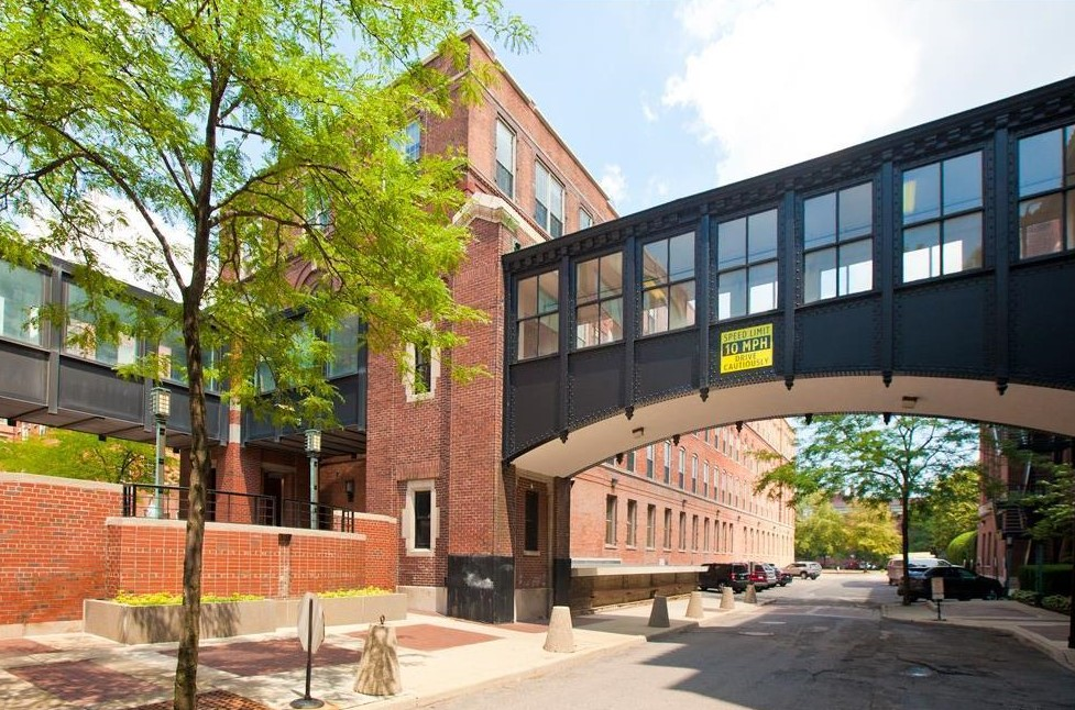 River place loft near belle isle seeks 399k curbed detroit for Garden lofts at woodward place
