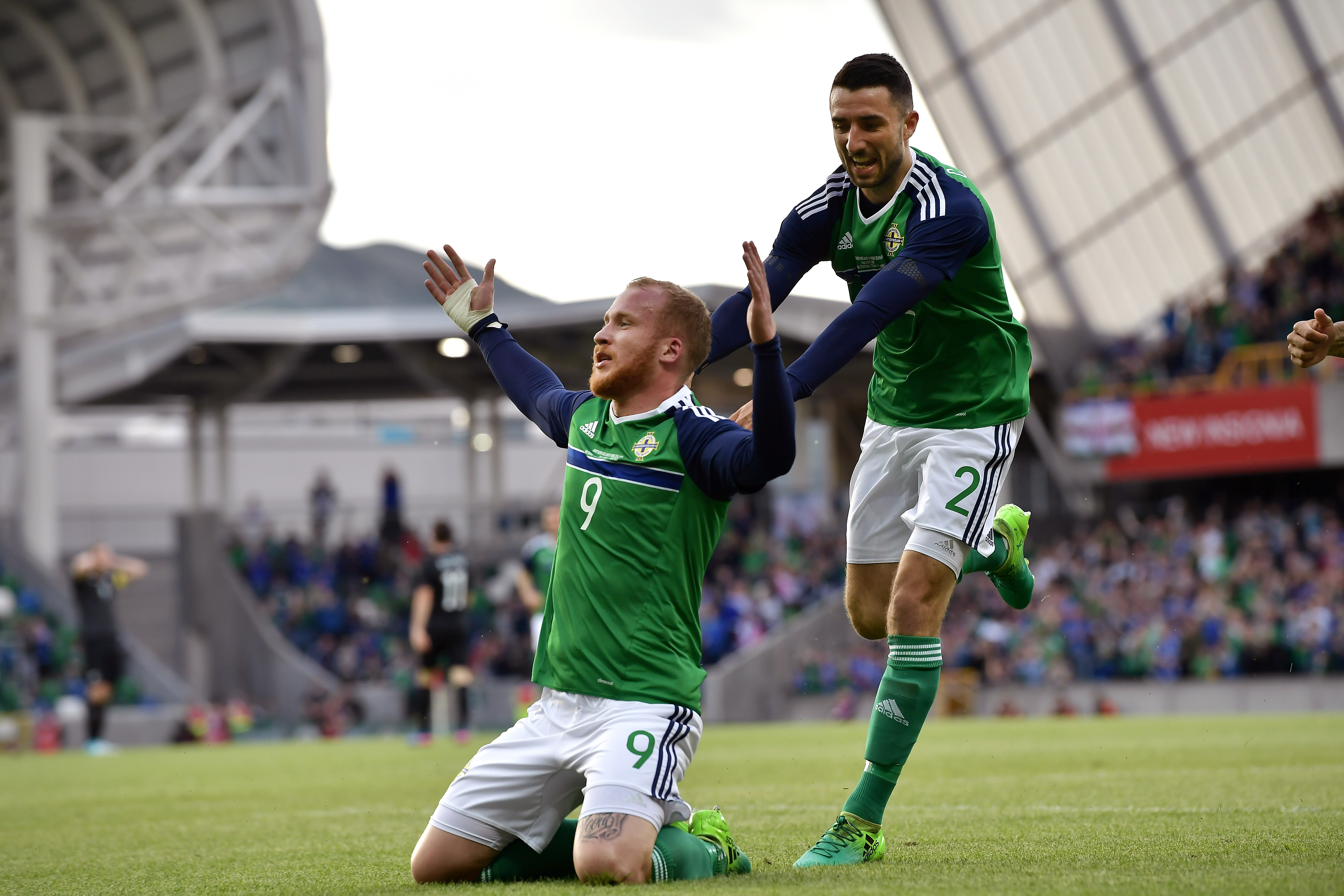 Celtic and Aberdeen agree Jonny Hayes deal