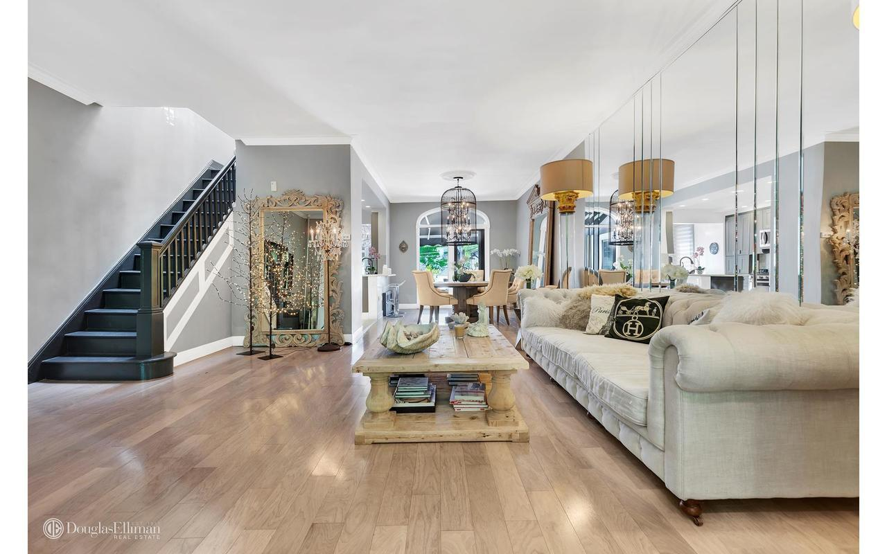 Ultra Chic Bay Ridge Home With 80s Inspired Decor Asks 1 4m Curbed Ny
