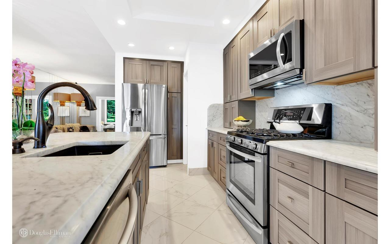 Kitchen cabinets bay ridge brooklyn - Douglas Elliman
