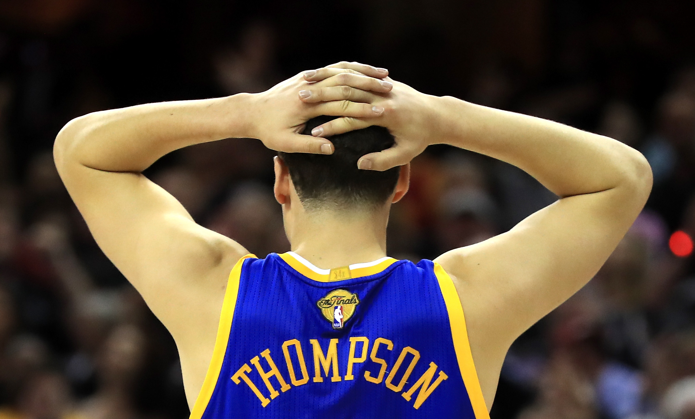 Klay Thompson Invites Fan with Autographed Toaster to Warriors Parade