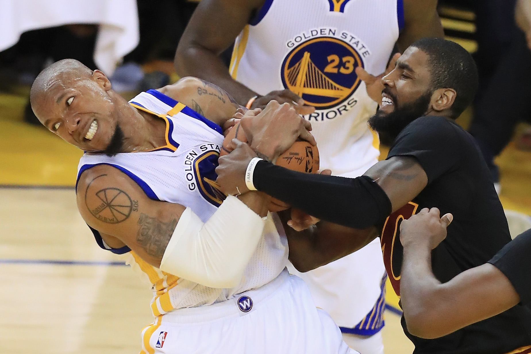 Here Are The Best Tweets From The David West And Tristan Thompson Kiss