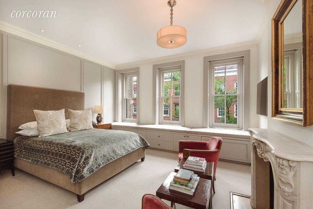 Lovely Renovated West Village Home With Celebrity Pedigree
