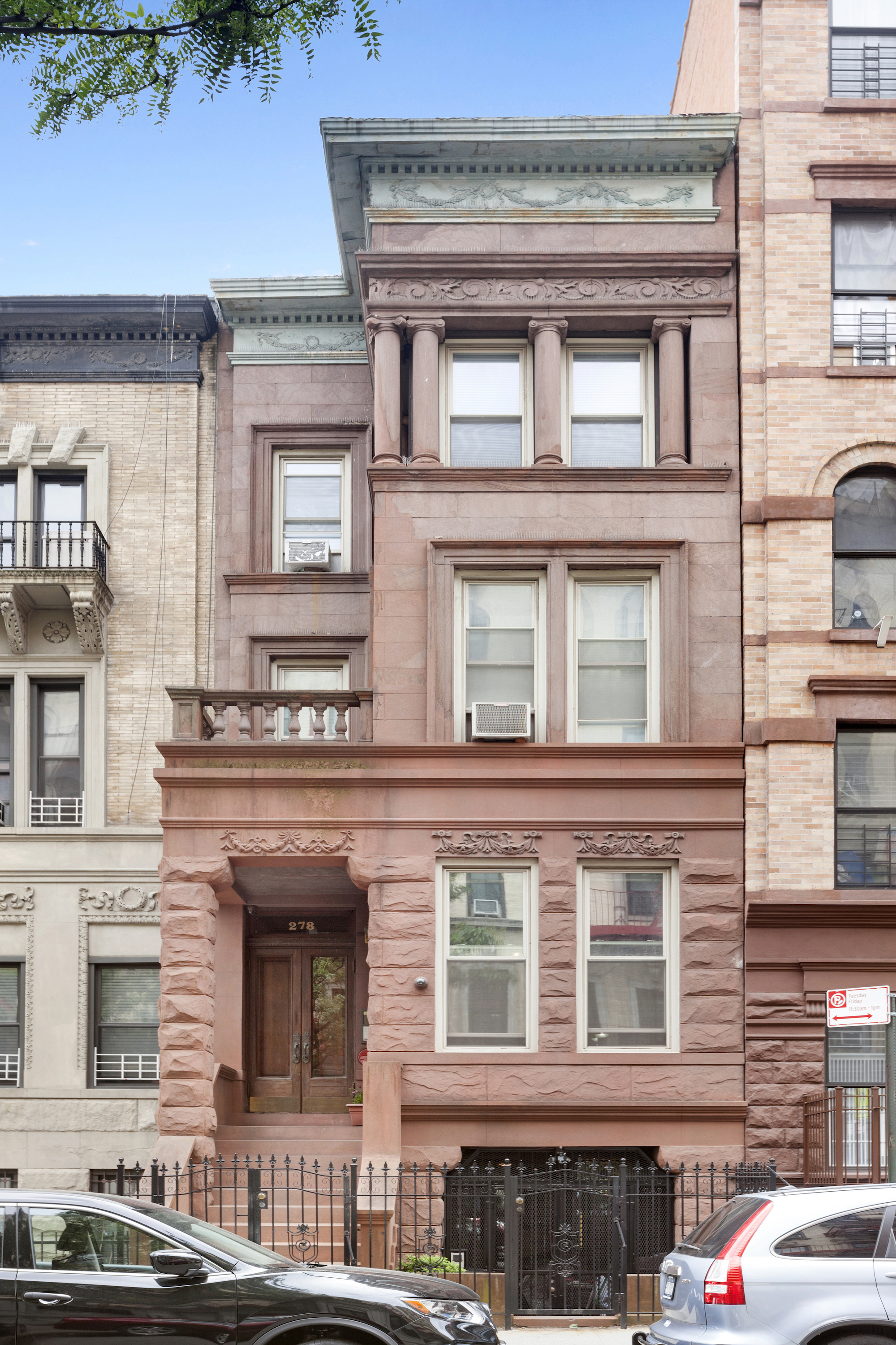 Harry houdini 39 s former harlem townhouse seeks 4 6m for Townhouses for sale in harlem