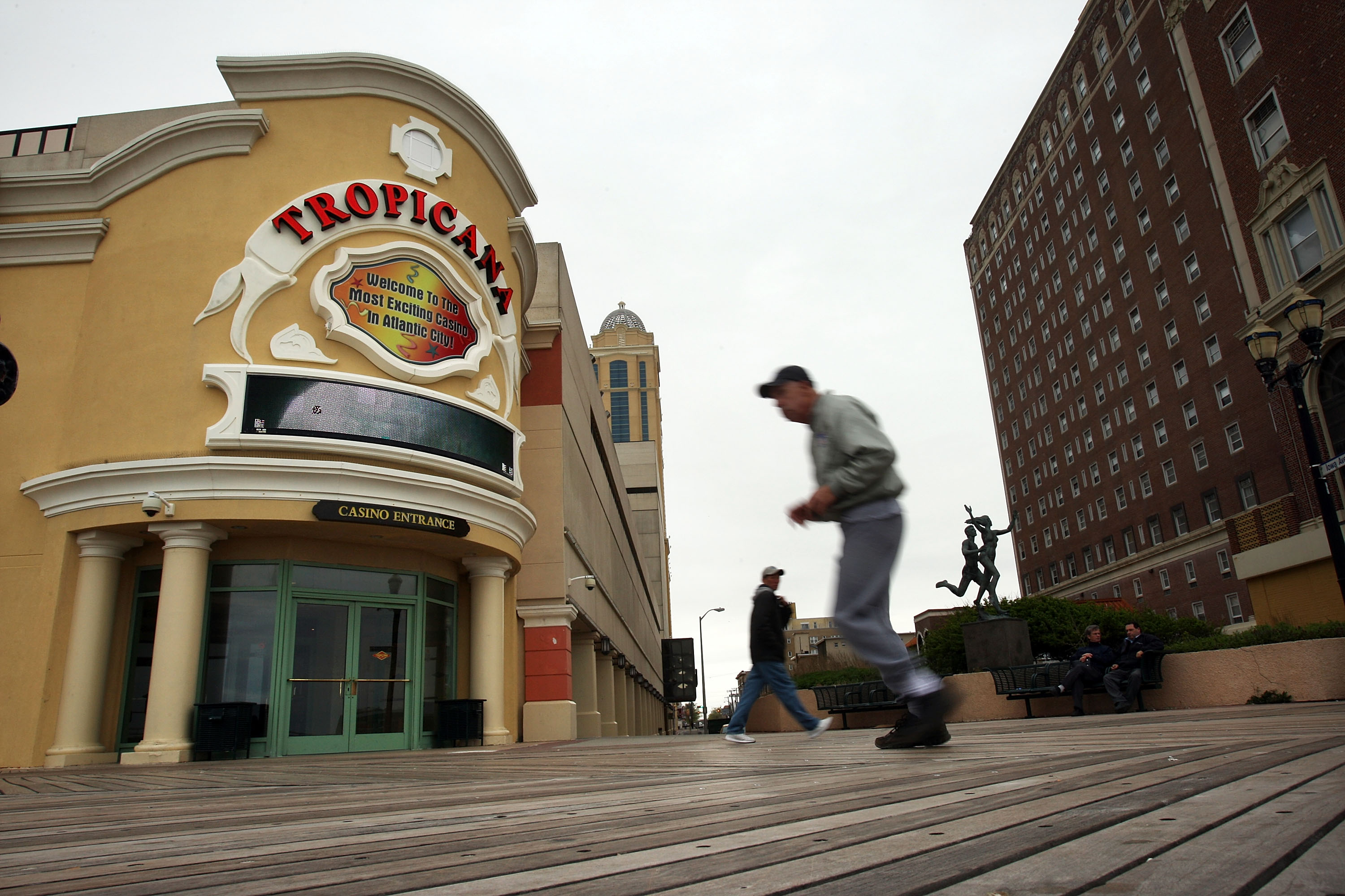 Struggling Casino Industry Drags Atlantic City's Economy Down