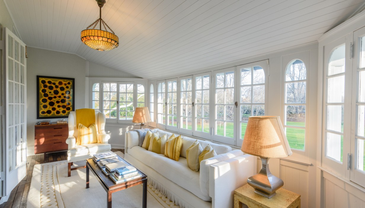 Jackie Kennedys Summer House Lasata Just Cut 4M From The Asking Price