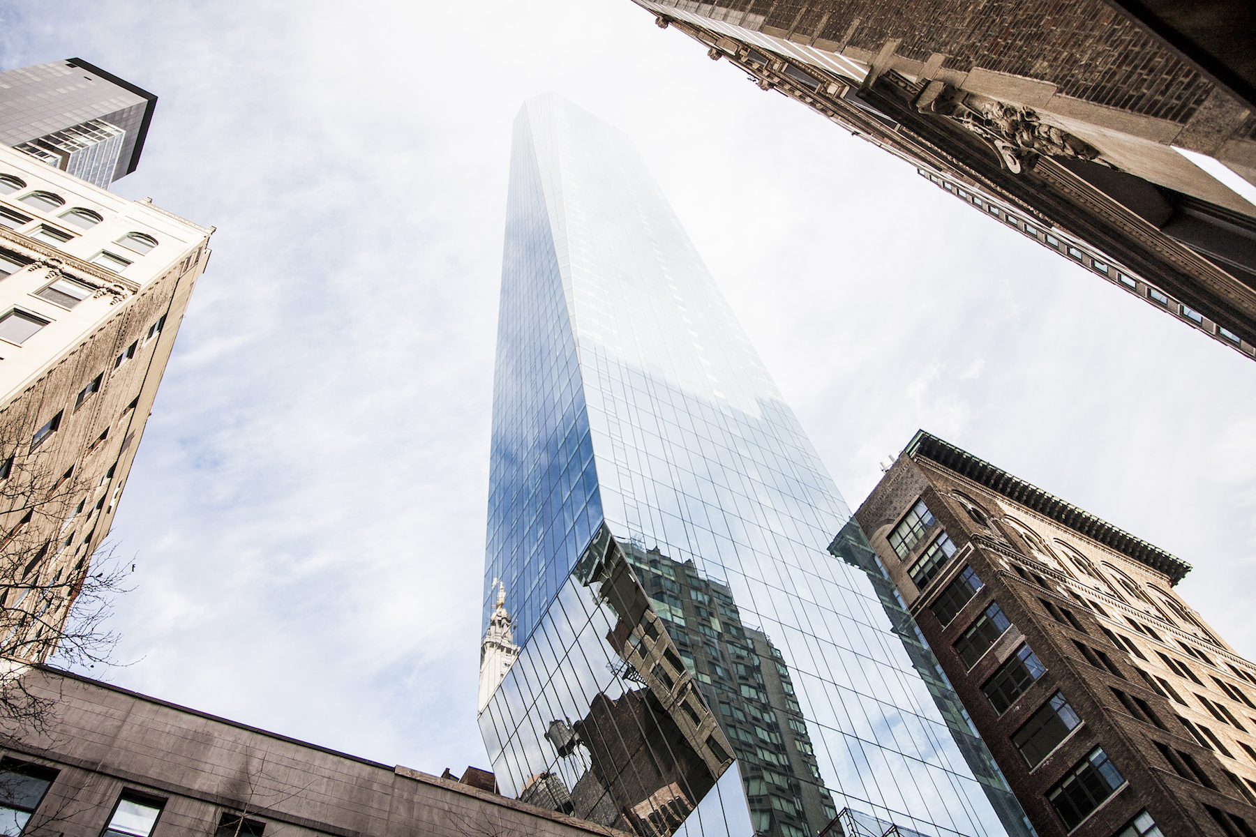 48m penthouse of flatiron s tallest tower includes staff for Madison square park apartments