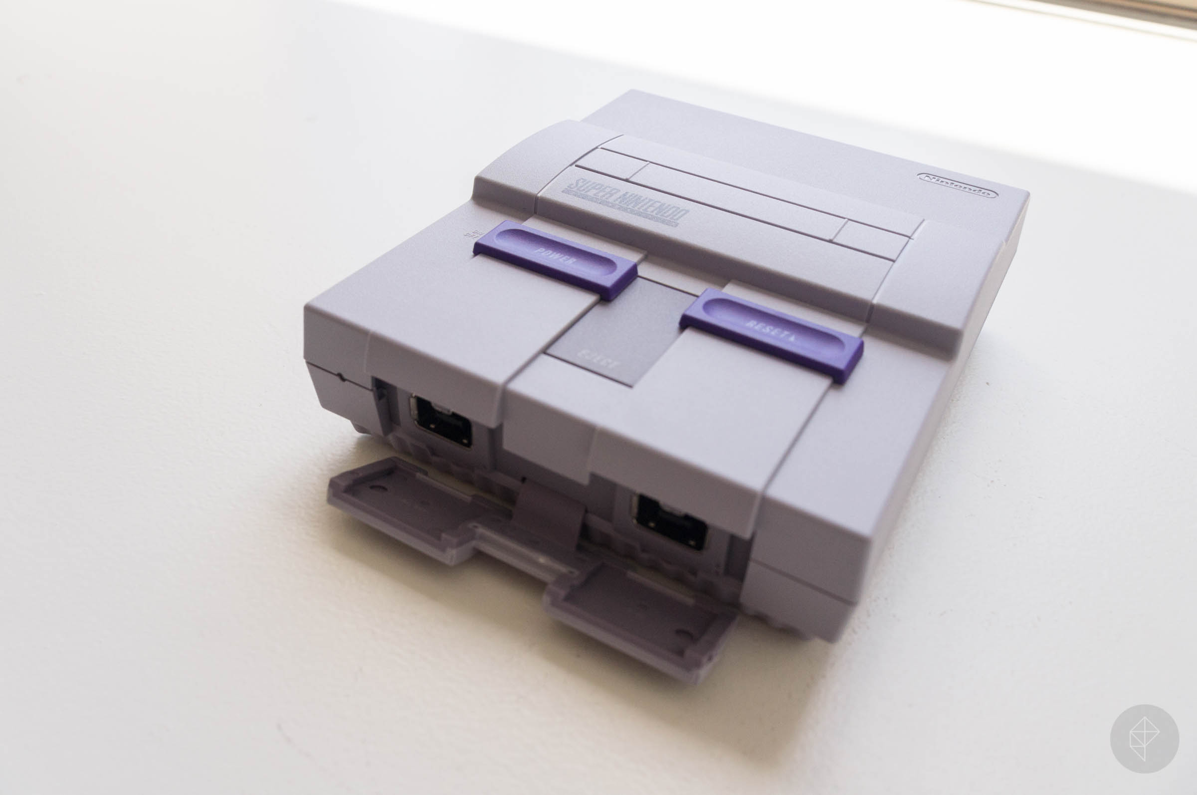 snes classic edition our first look at the hardware polygon. Black Bedroom Furniture Sets. Home Design Ideas