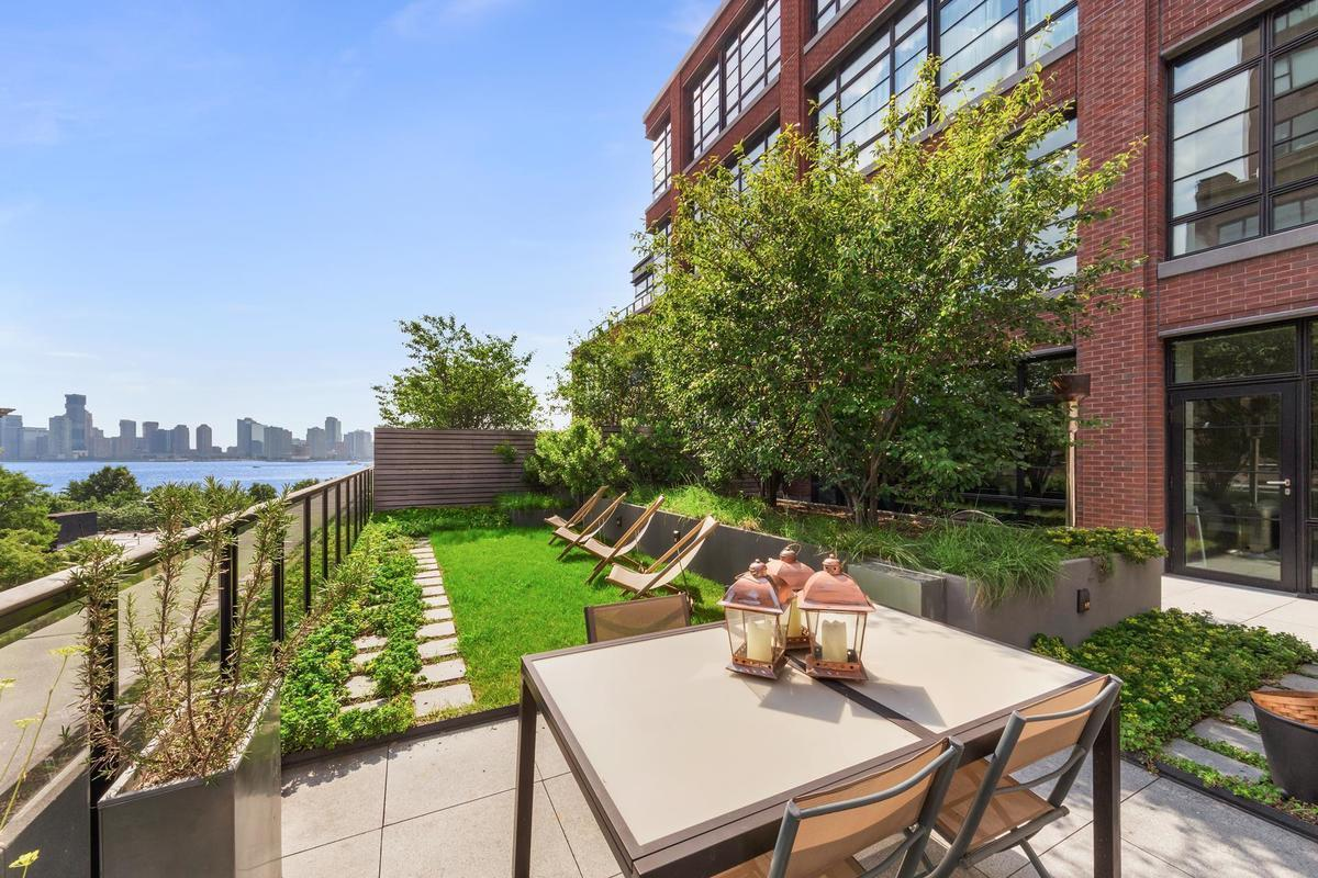 At west village 39 s 150 charles an condo with river - Plantas terraza mucho sol ...