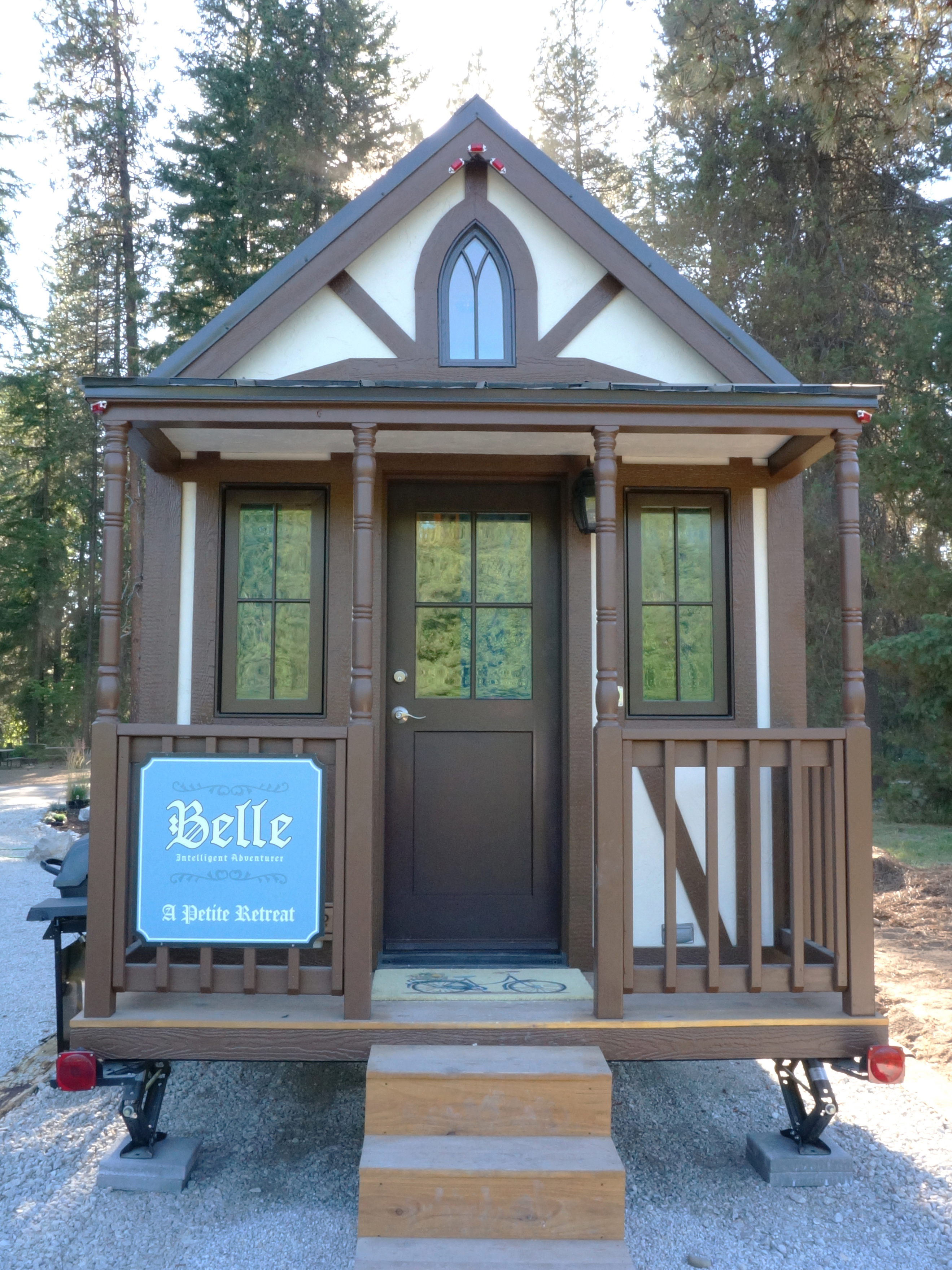 largest tiny house. Belle is the largest of tiny houses  at a comparably spacious 307 square feet Capable comfortably sleeping five on fold down couch in back Family Bavarian homes available for little Leavenworth