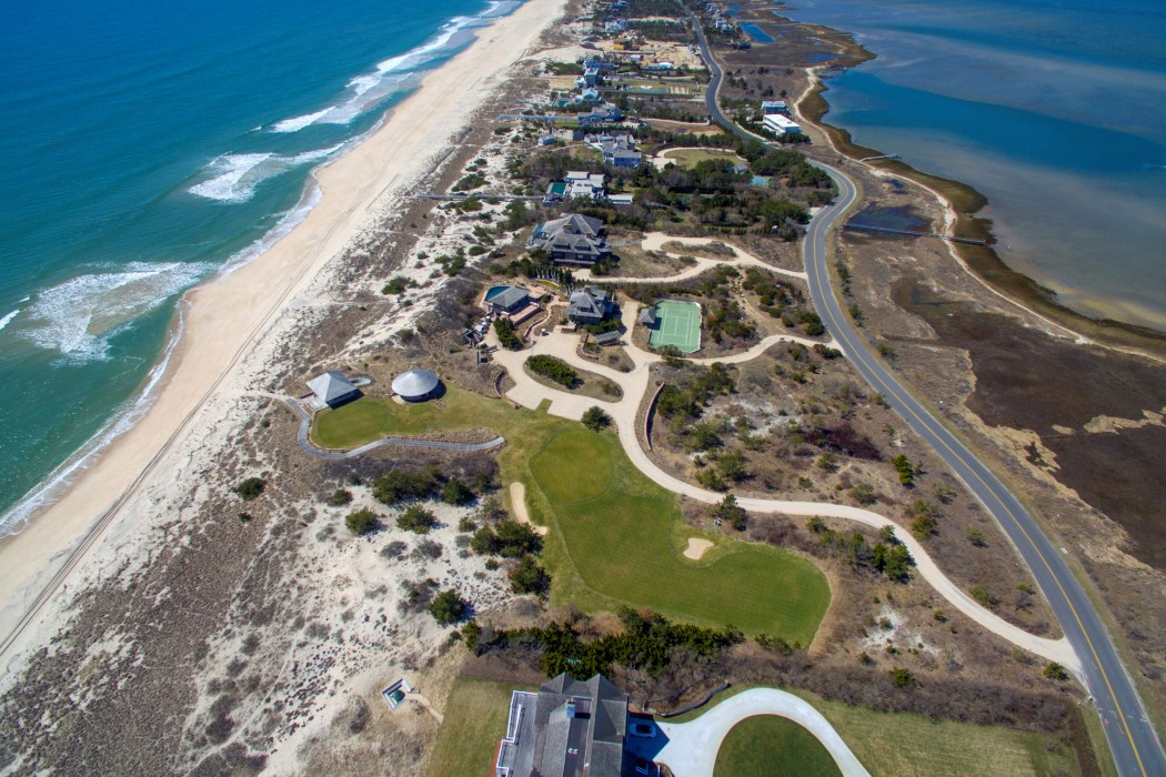 Most expensive hamptons property just came on the market for Biggest homes in the hamptons