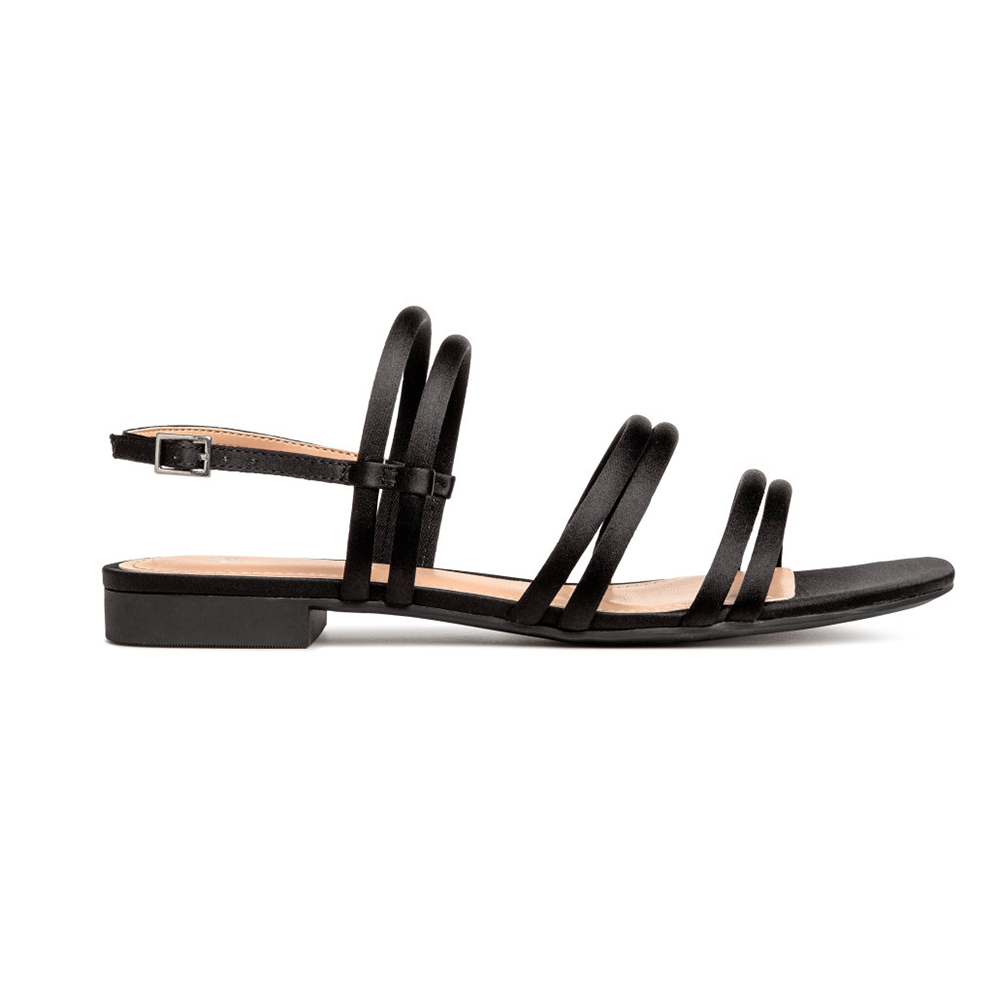 Over A Dozen Pairs Of Really Cute Sandals To Buy Right Now