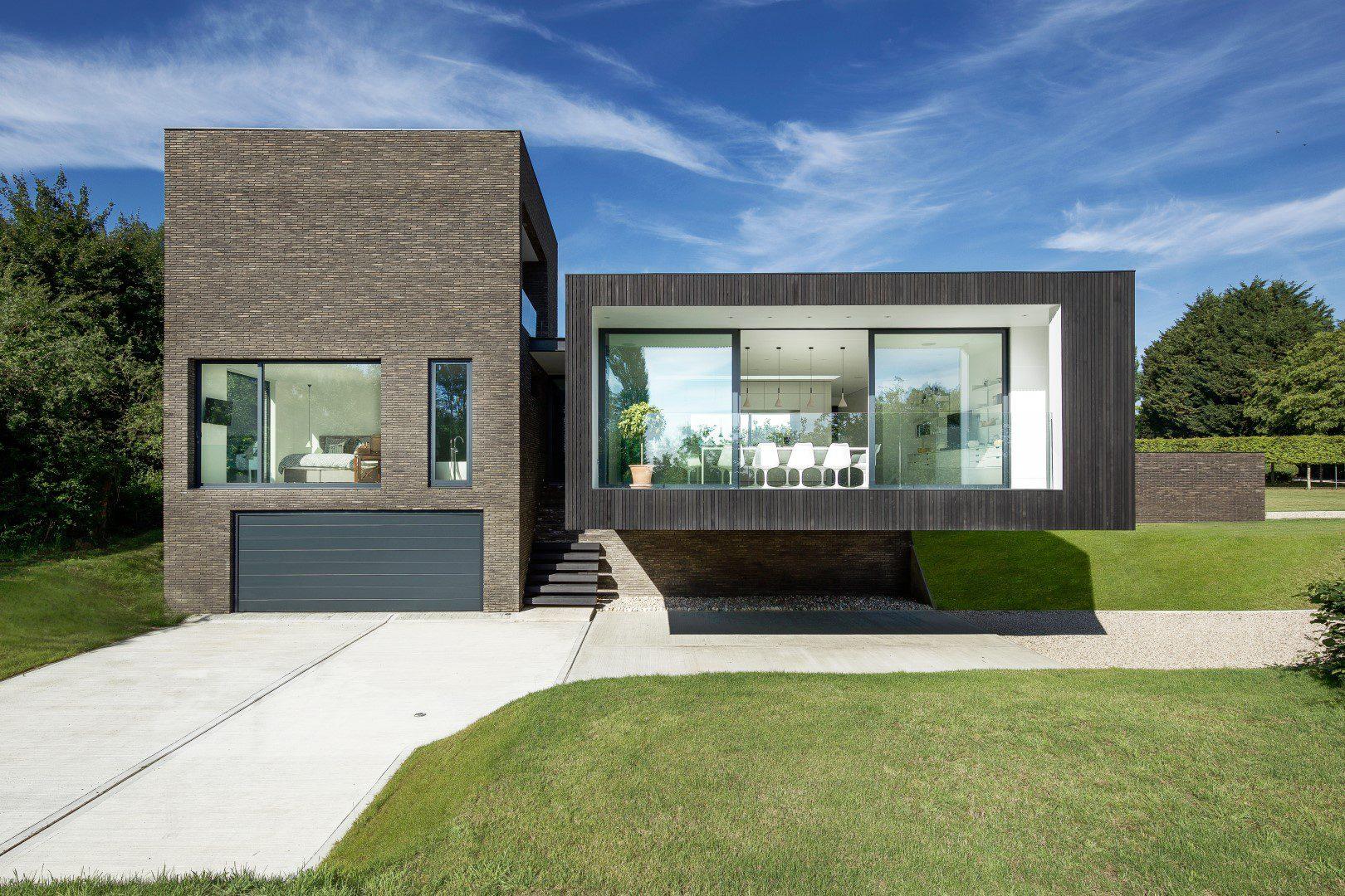 Sleek modern home looks like it\u0027s floating - Curbed