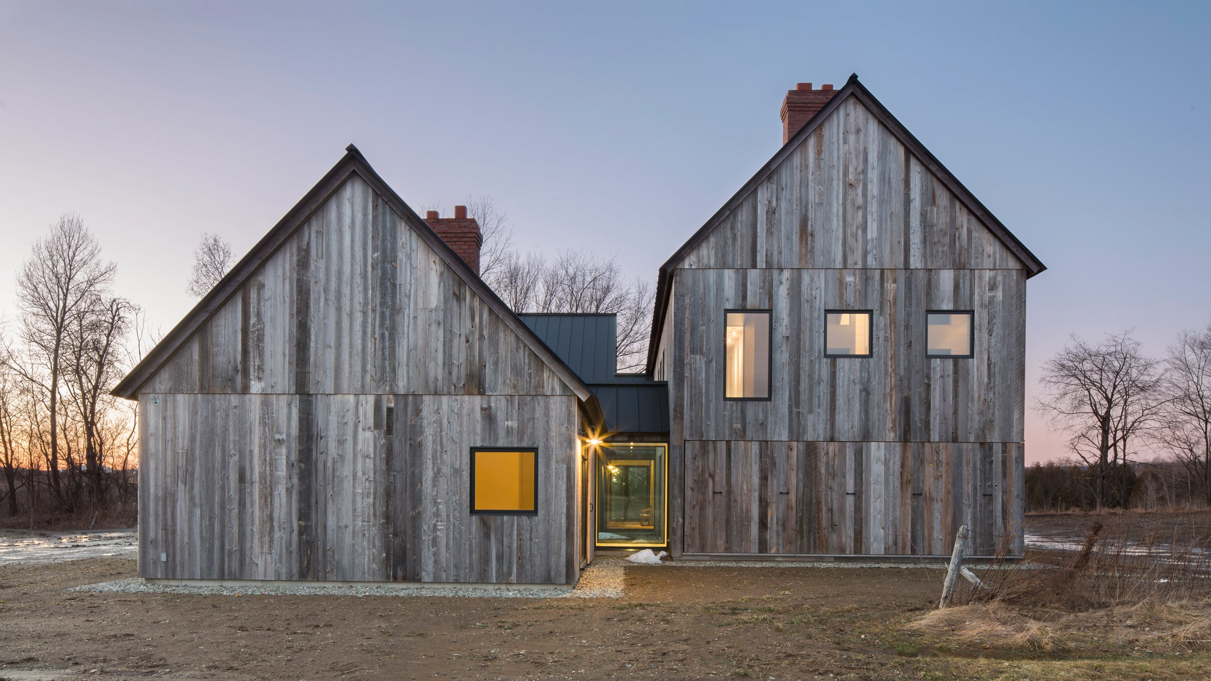 Modern farmhouse updates the canadian homestead curbed for Contemporary farmhouse